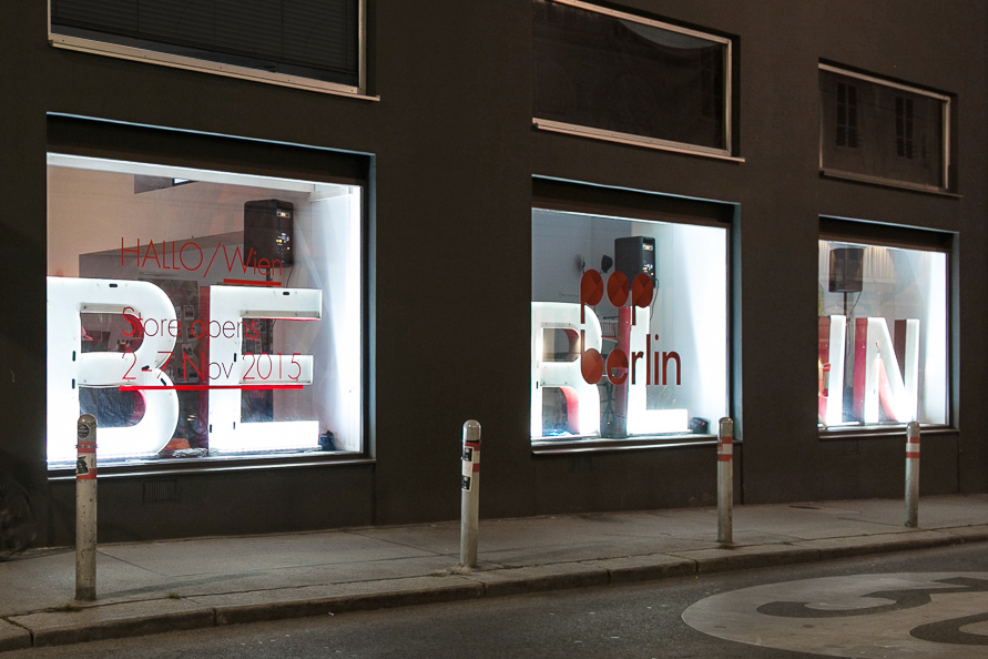 pop-into-berlin_retail-interior-design_coordination-berlin_01.jpg