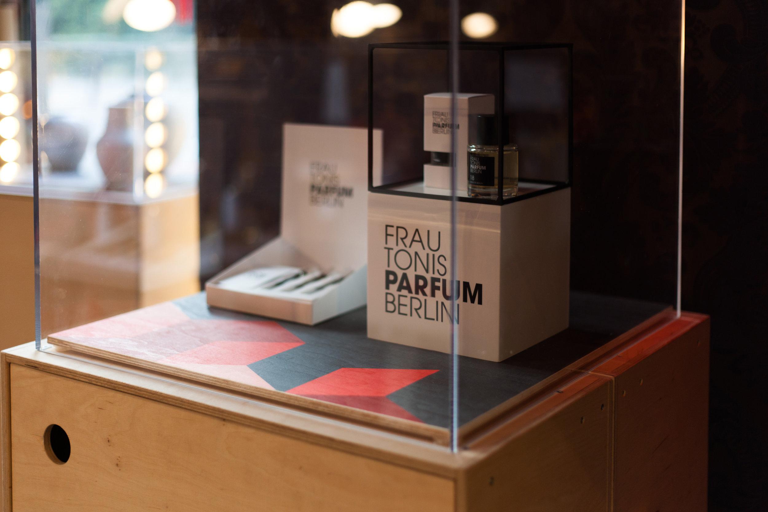 pop-into-berlin_retail-interior-design_coordination-berlin_07.jpg
