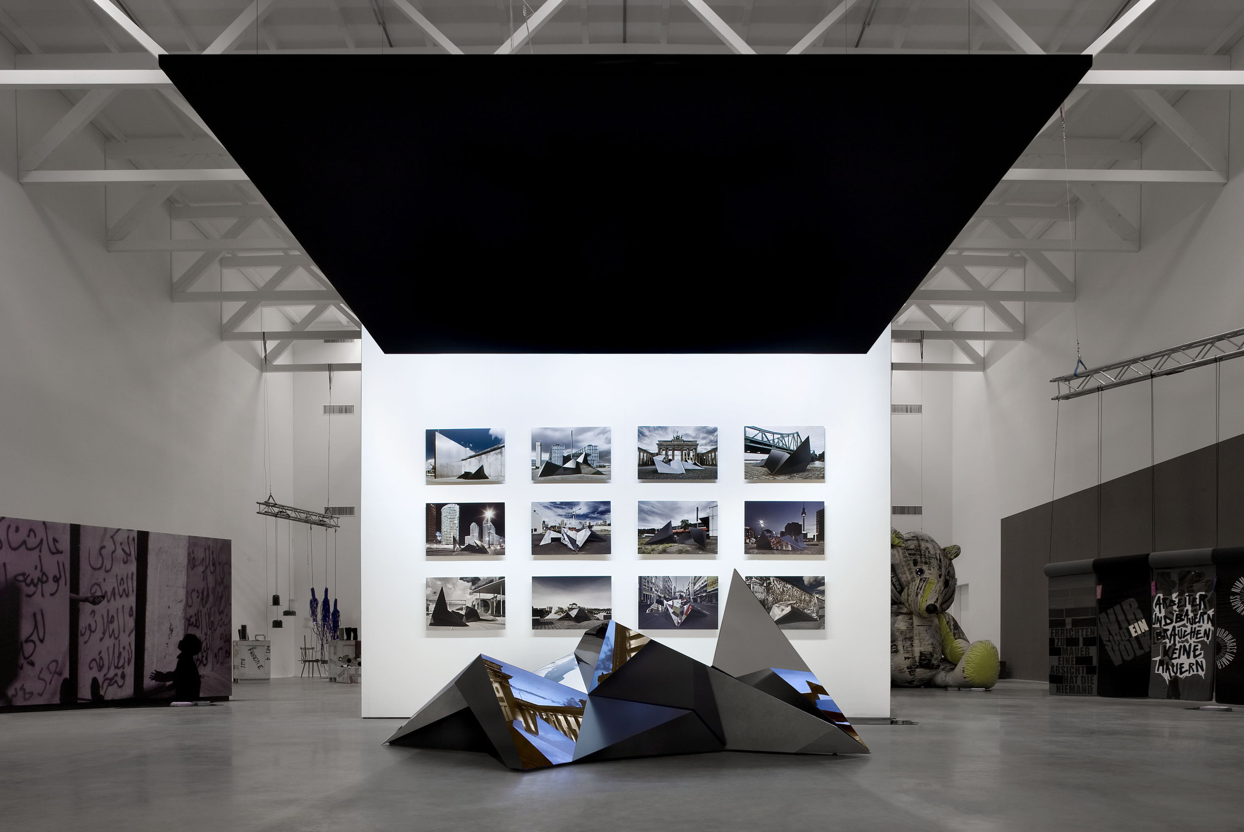 crystal-city-minds_exhibition-design_coordination-berlin07.jpg