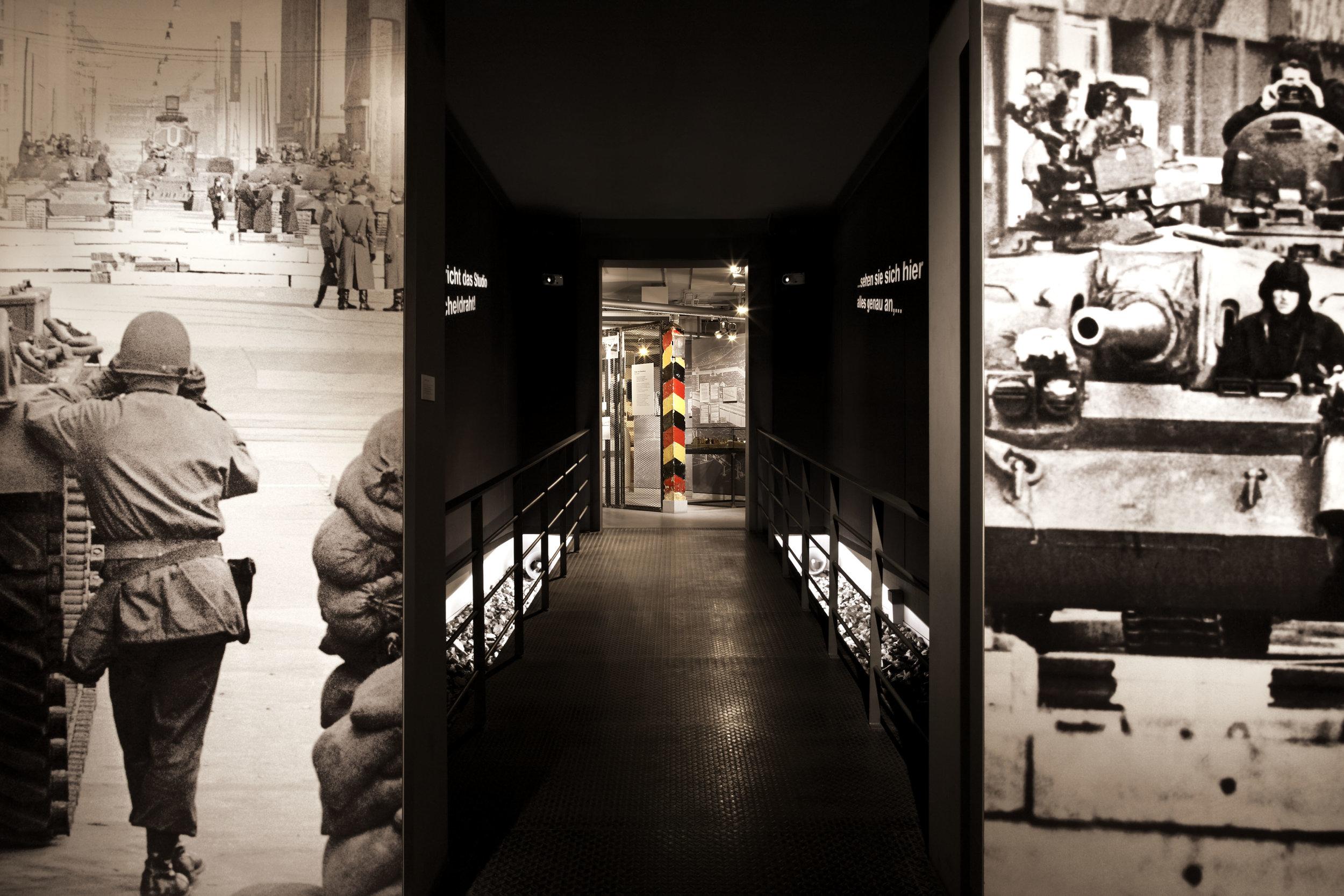 zeitgeschichtliches-forum-leipzig_museum-exhibition-design_coordination-berlin_09.jpg
