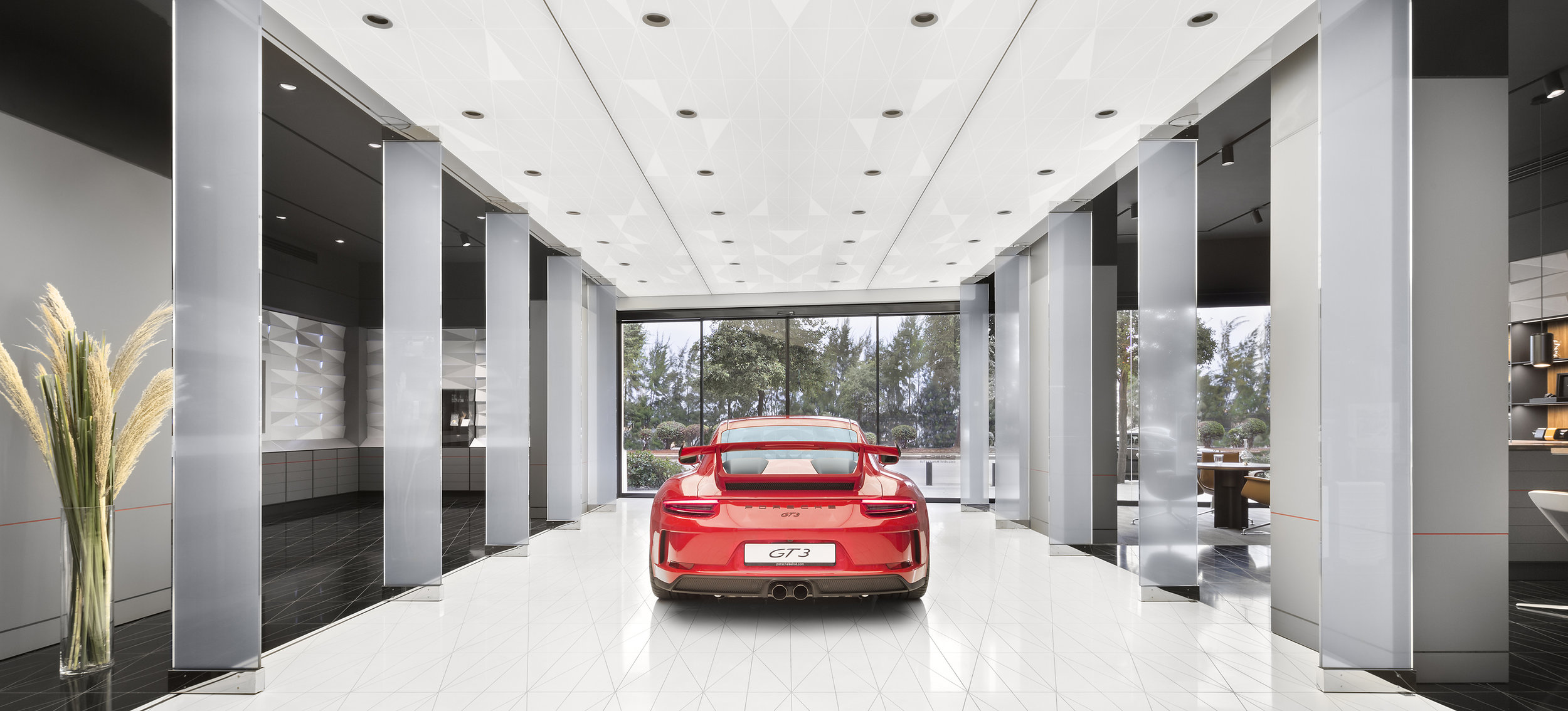 porsche-studio_retail-interior-design_coordination-berlin_05.jpg