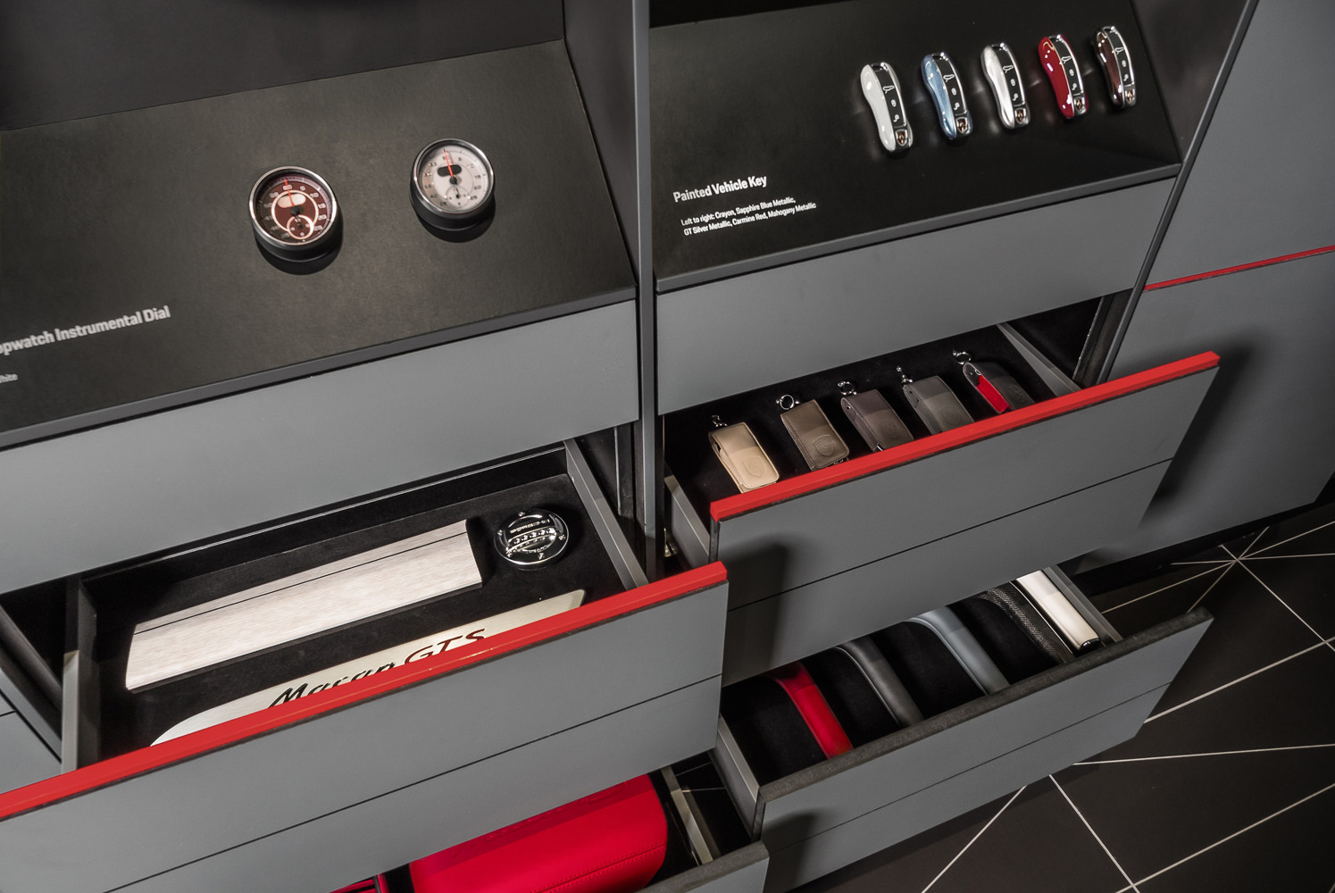 porsche-studio_retail-interior-design_coordination-berlin_12.jpg