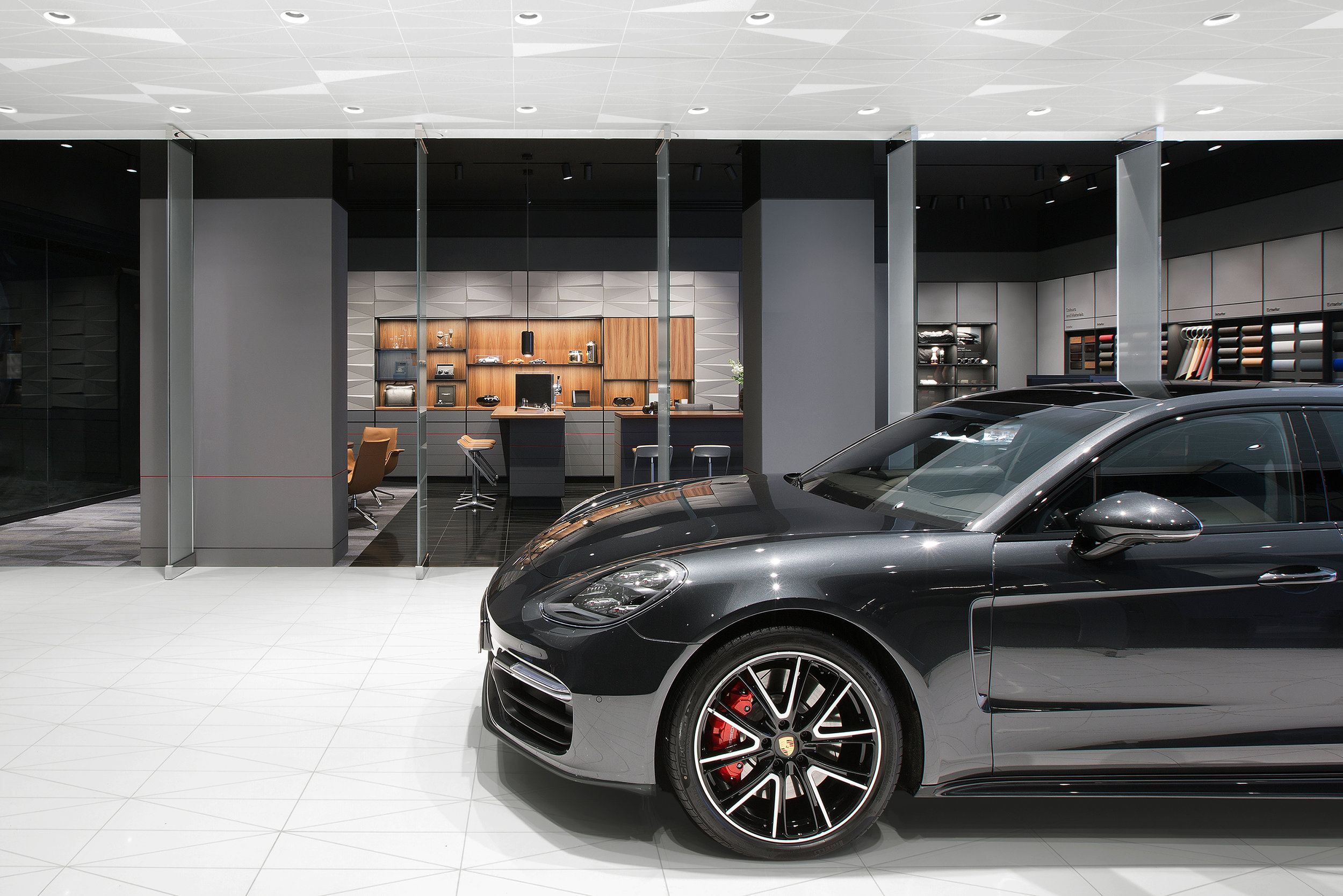 porsche-studio_retail-interior-design_coordination-berlin_13.jpg