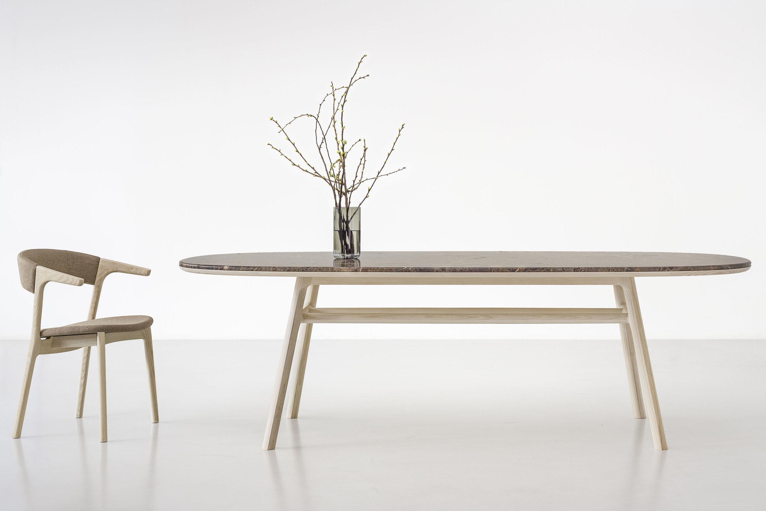 medeo-table_furniture-design_coordination-berlin_01.jpg