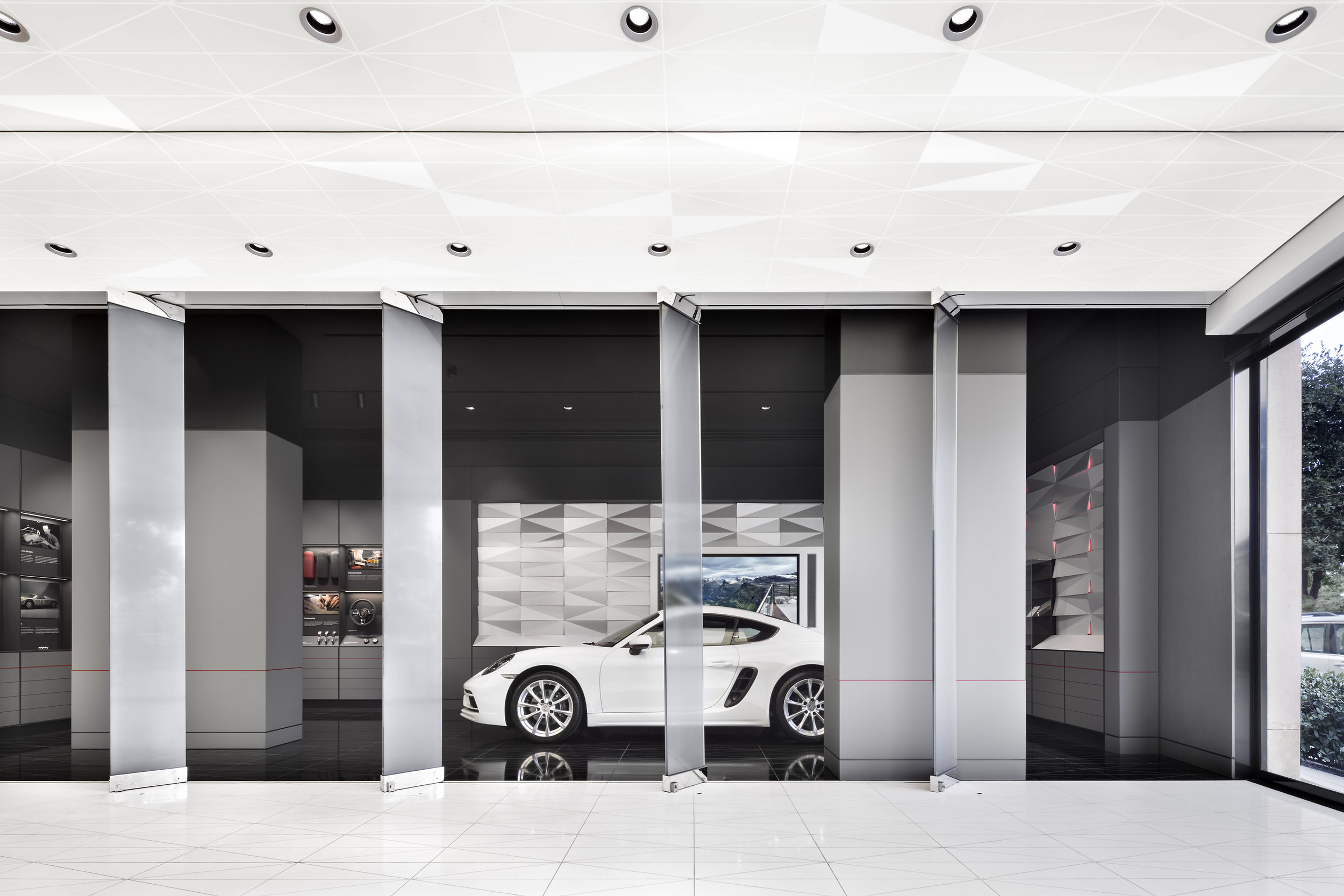 porsche-studio_retail-interior-design_coordination-berlin_08a.jpg