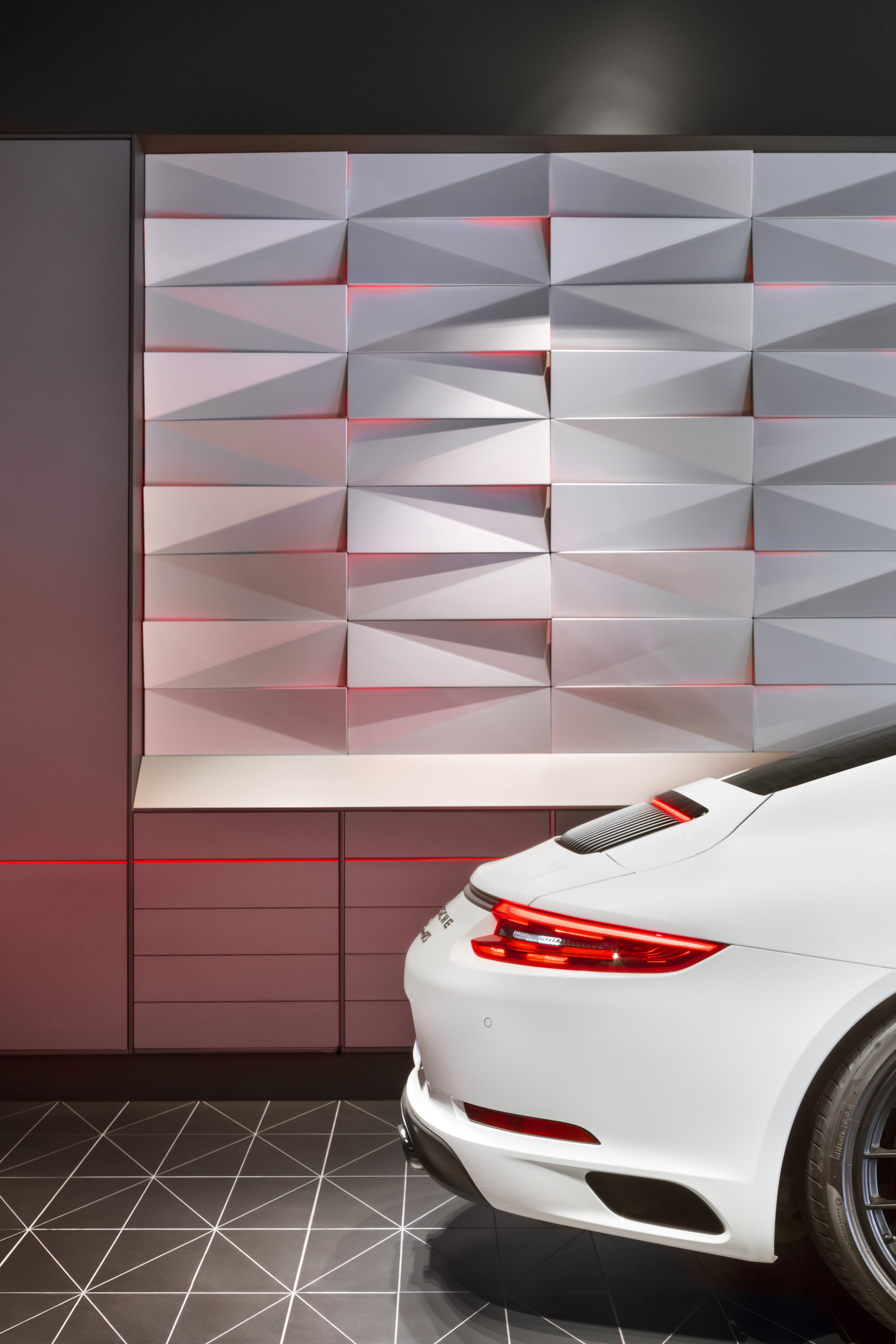 porsche-studio_retail-interior-design_coordination-berlin_10a.jpg
