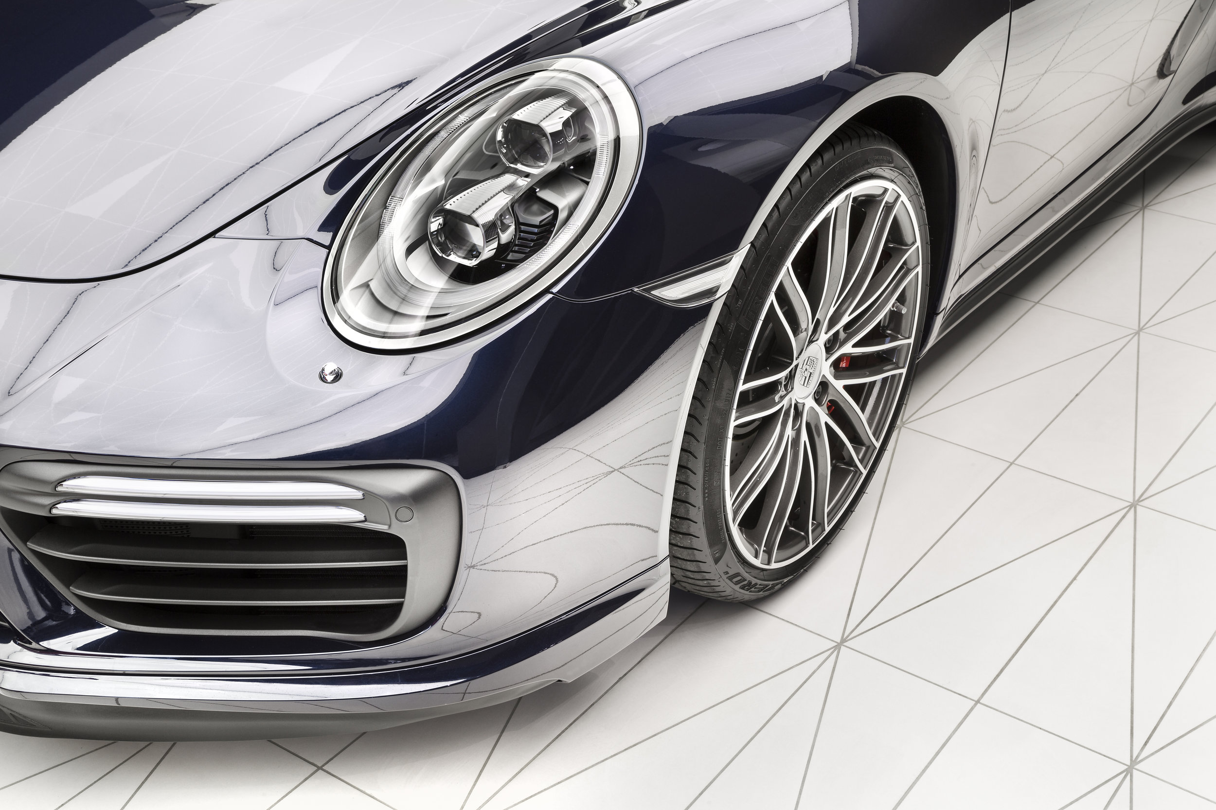 porsche-studio_retail-interior-design_coordination-berlin_14a.jpg