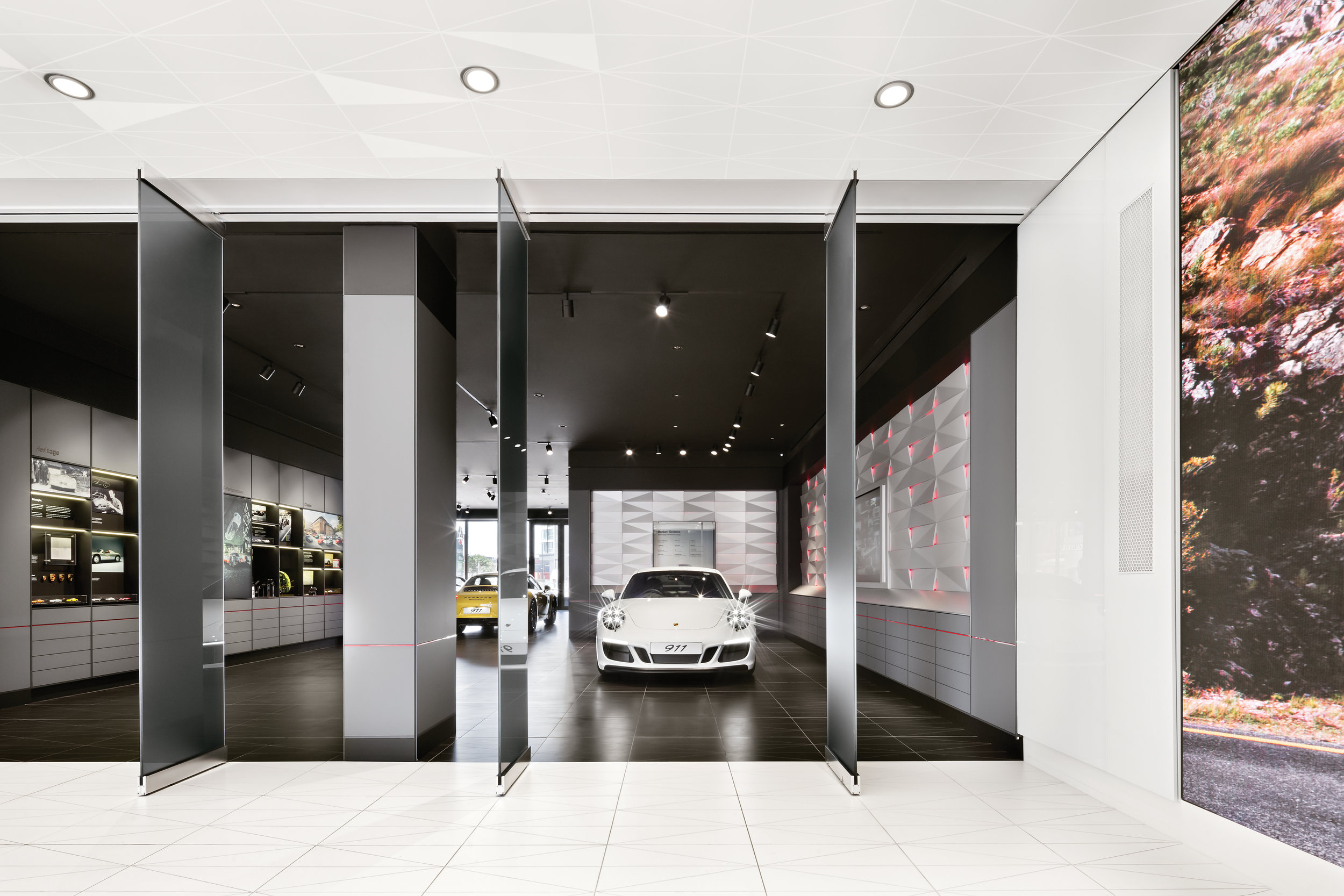 porsche-studio_retail-interior-design_coordination-berlin_19a.jpg