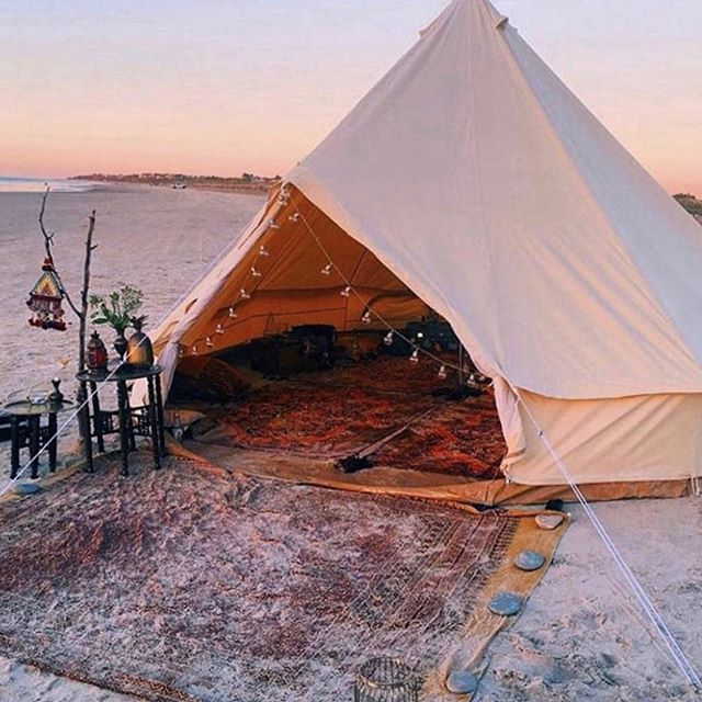 Dreaming of beachside teepees & sunset picnics 😍