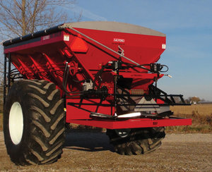 JAVELIN OPTION FOR MAGNASPREAD - The interchangeable spinner platform allows you to have one spreader body with the versatility of MagnaSpread and the industry-leading 120 foot urea application of Javelin.