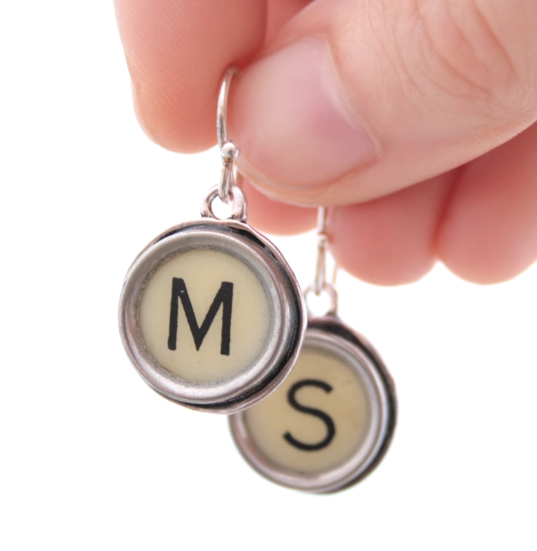 initial earrings in ivory colour / statement dangling earrings made of typewriter key