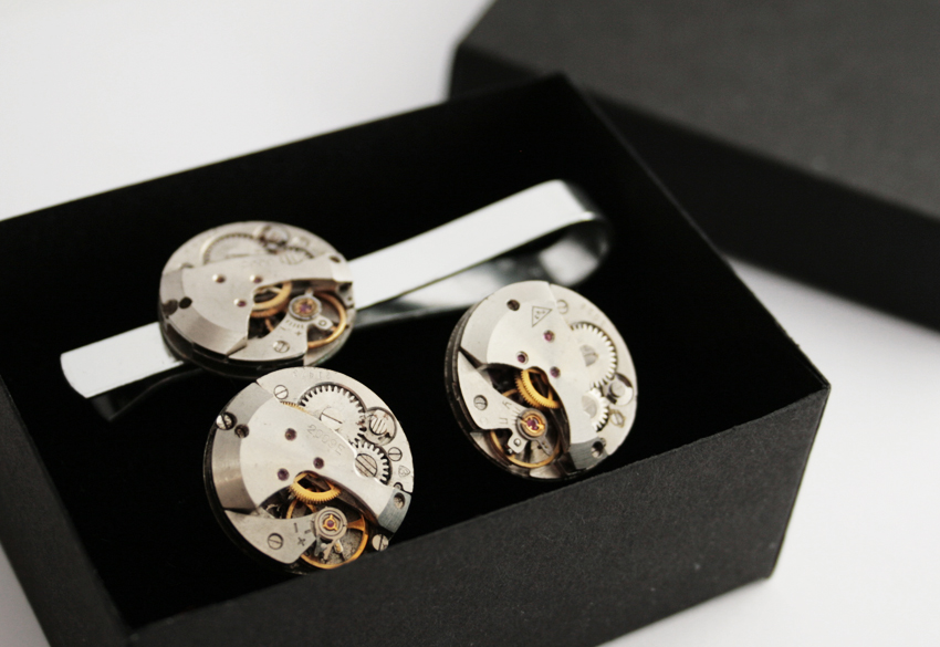 tie clip and cufflinks in steampunk style
