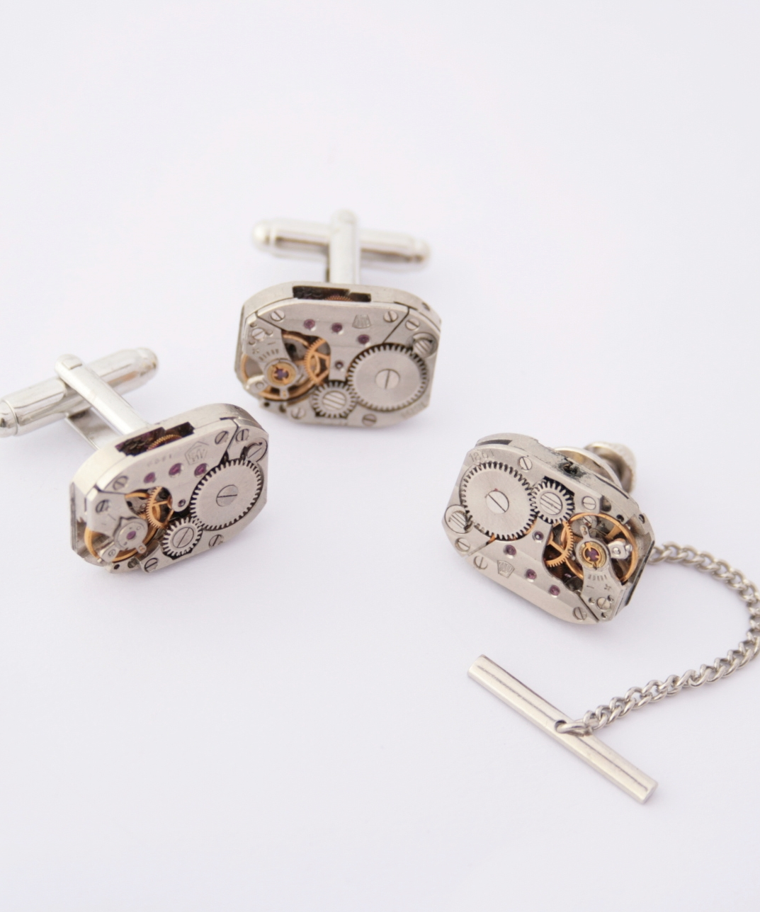 Cufflinks and Tie Tack with Chain with Watch Movements