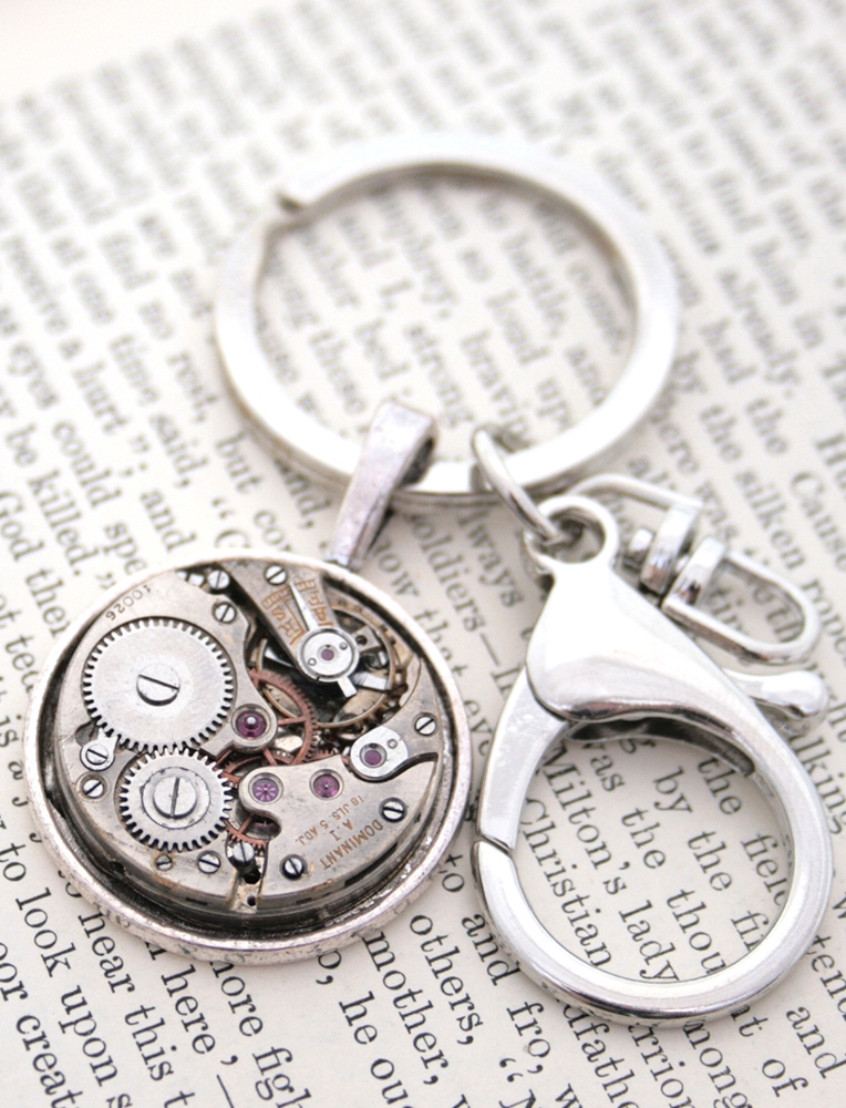 Steampunk Keychain with real Watchwork
