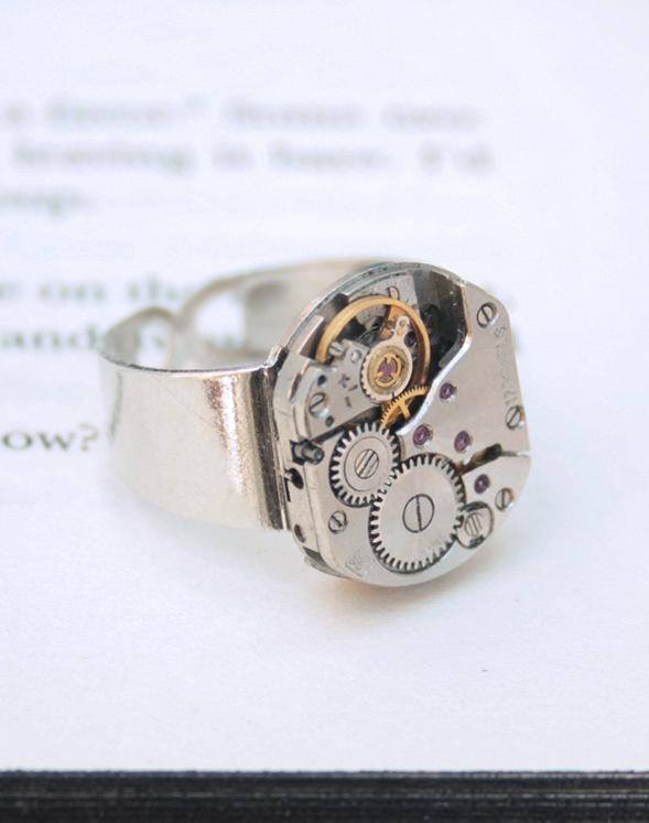 pinky ring / steampunk signet ring