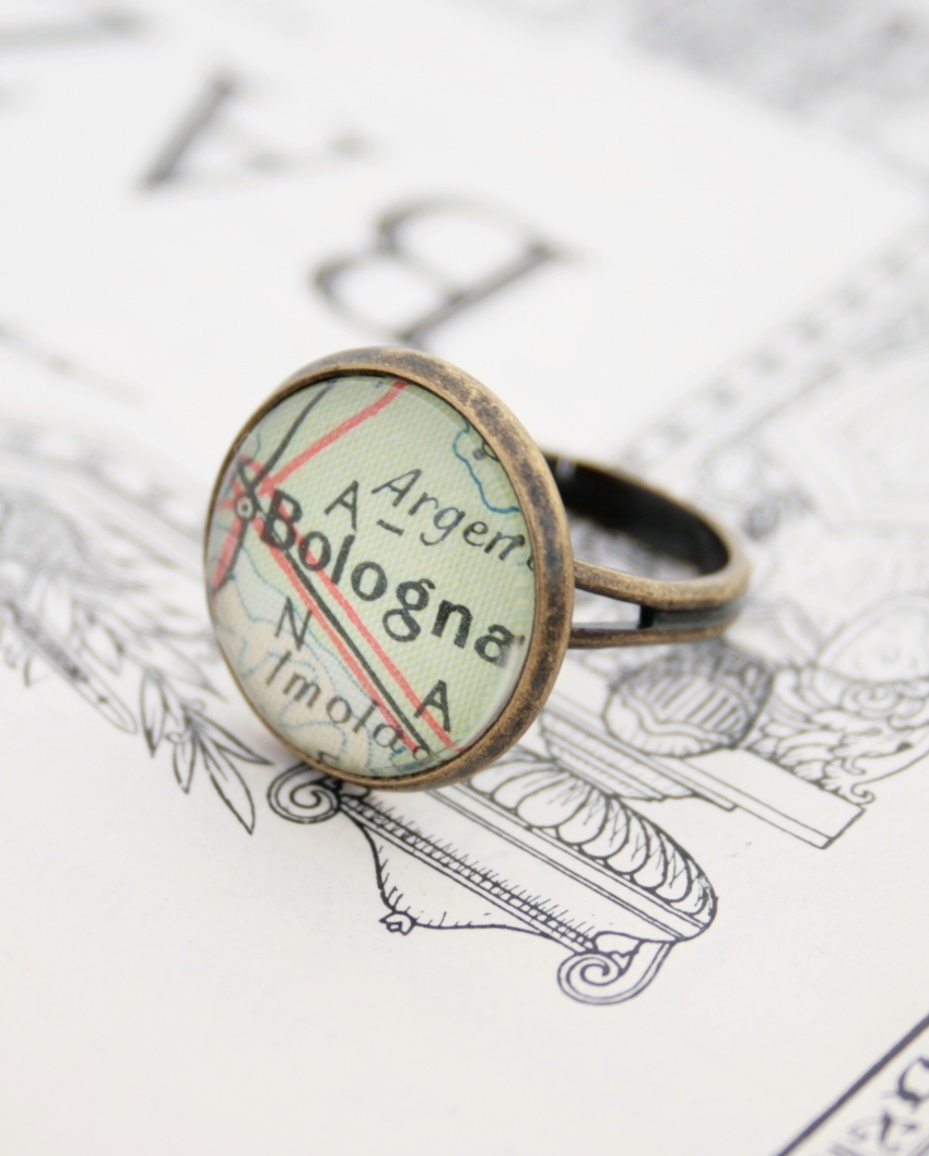custom map ring with personalized map location / statement map ring