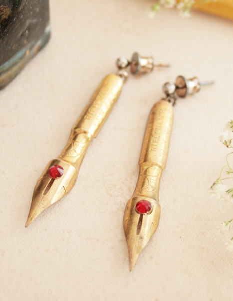 golden fountain pen nib earrings for a writer