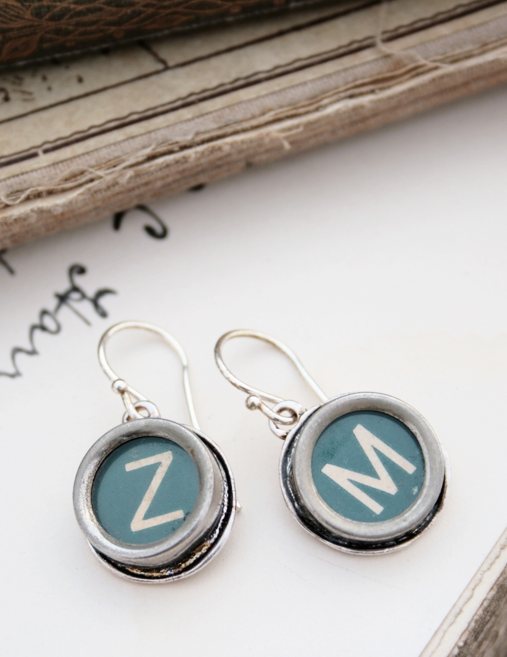 green initial earrings / statement dangling earrings made of typewriter key