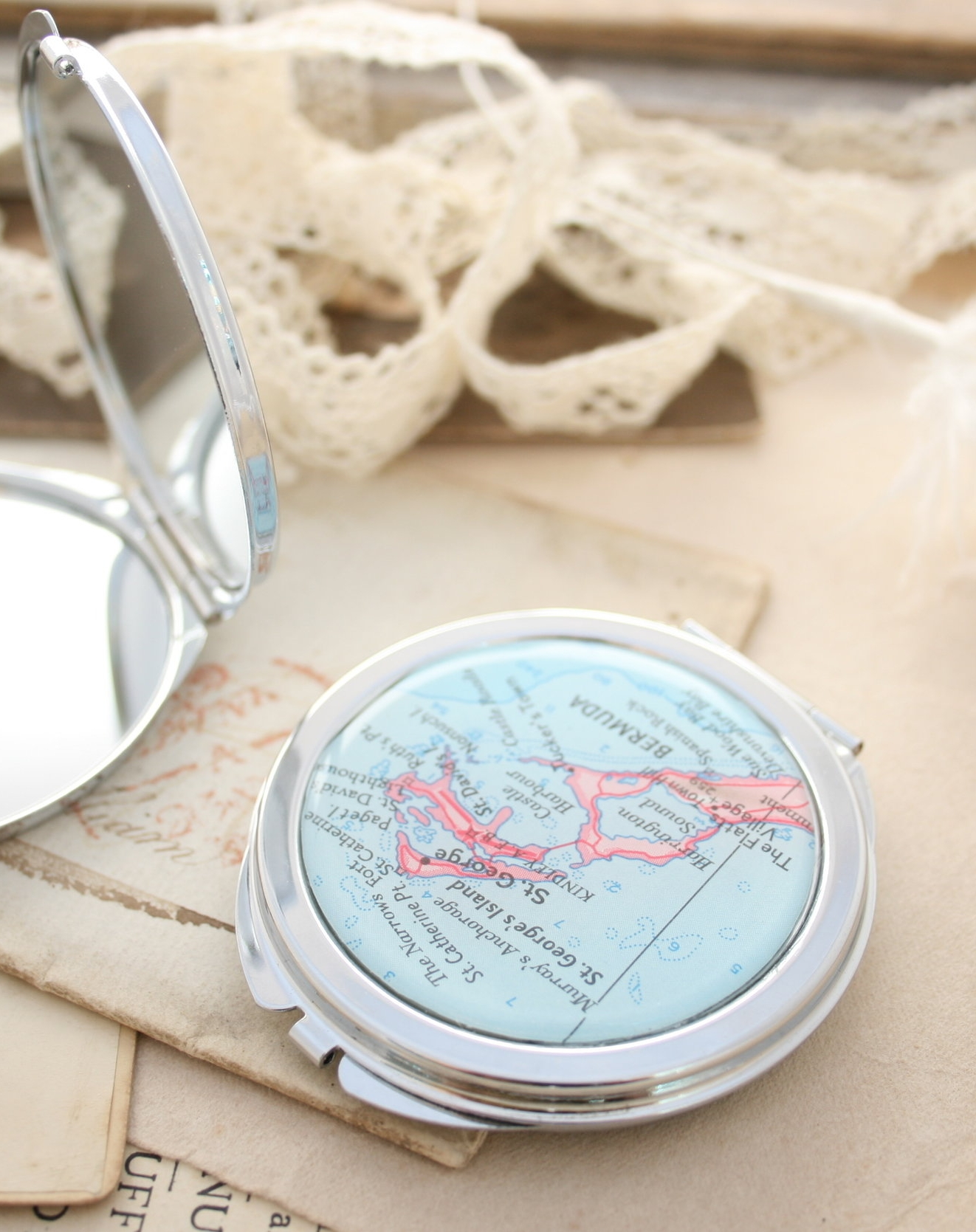 compact mirror with custom map reference