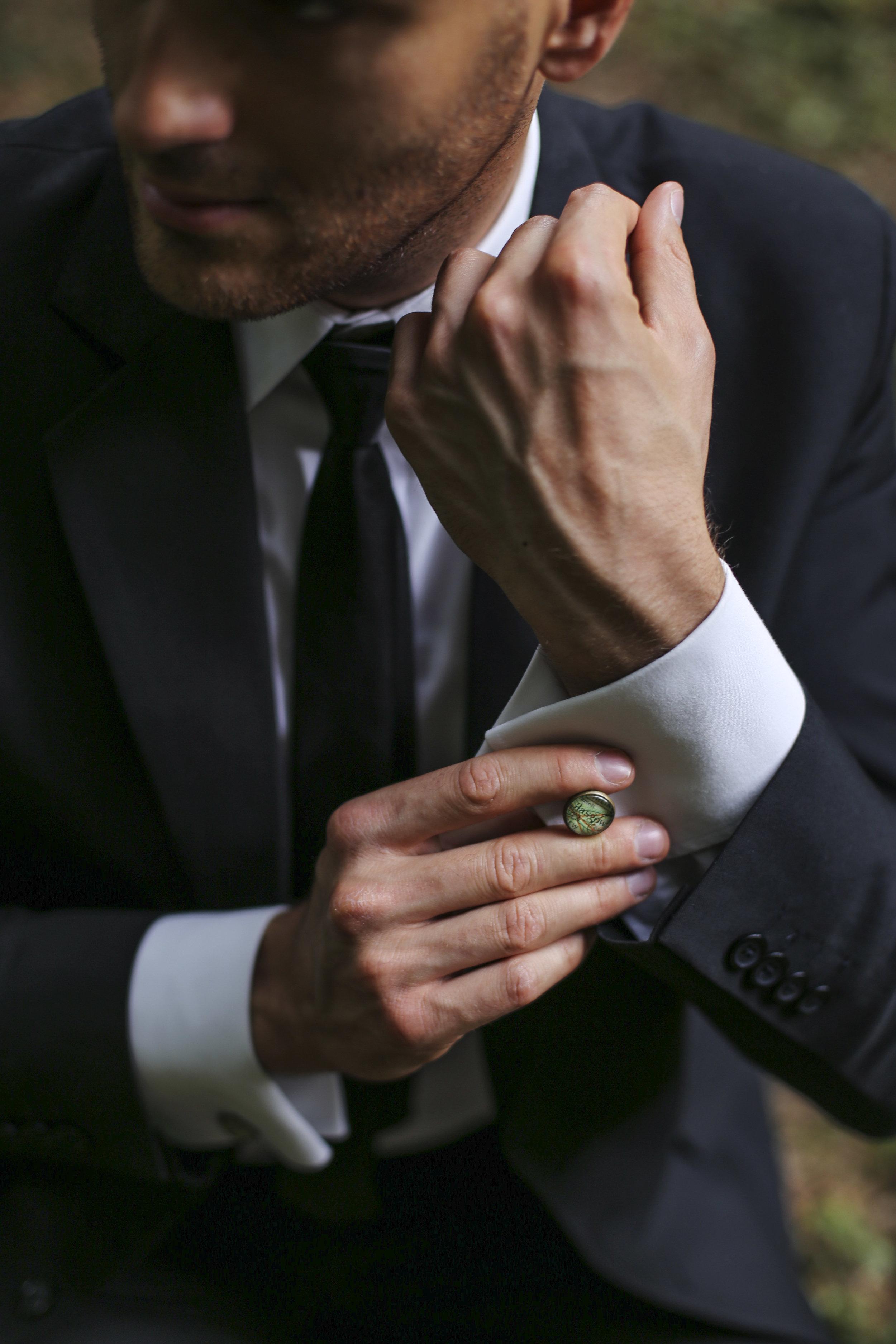 groomsmen cufflinks with maps of customer`s choice
