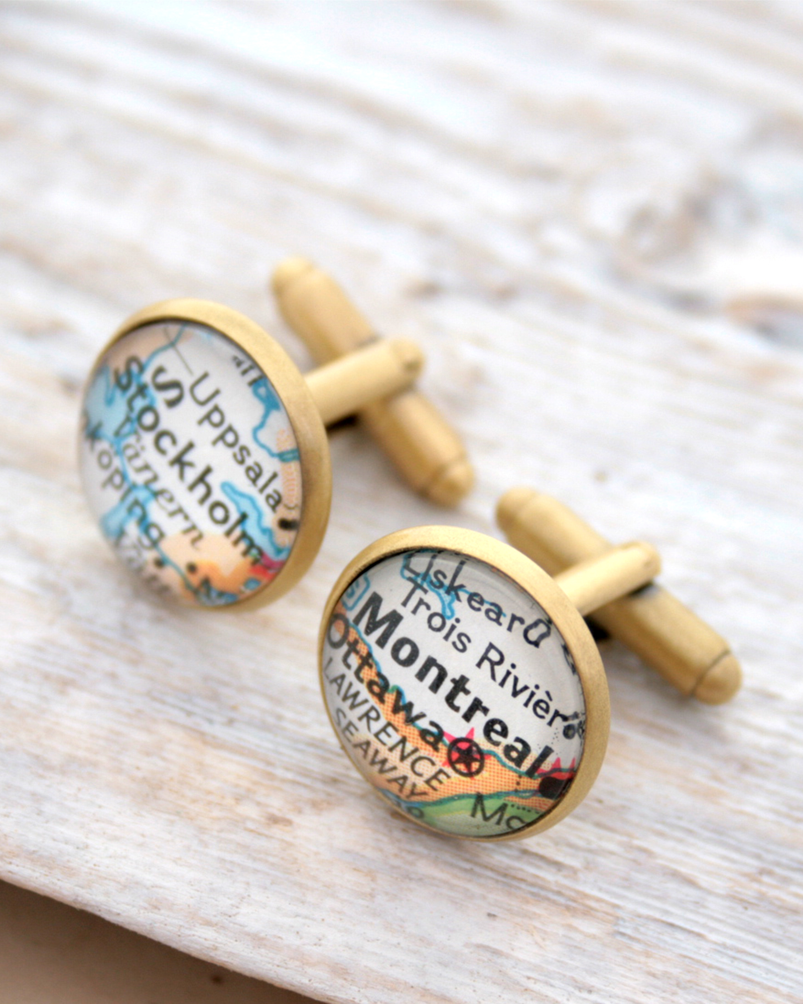 cufflinks with map for traveler with custom selection of maps