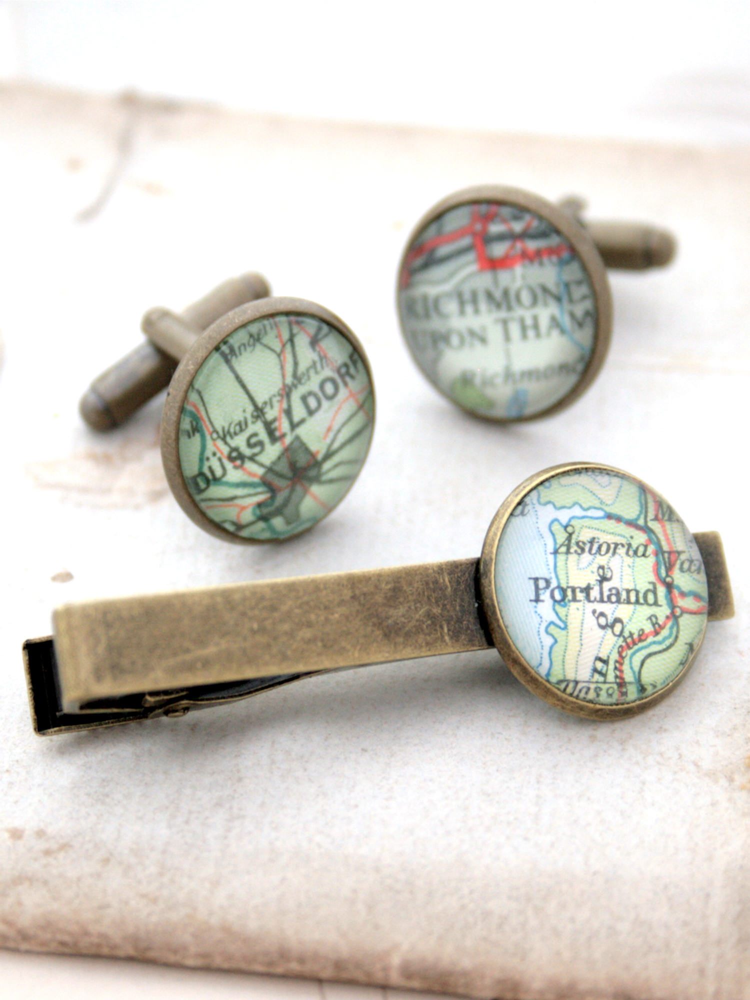 tie clip and cufflinks bespoke set with custom map location