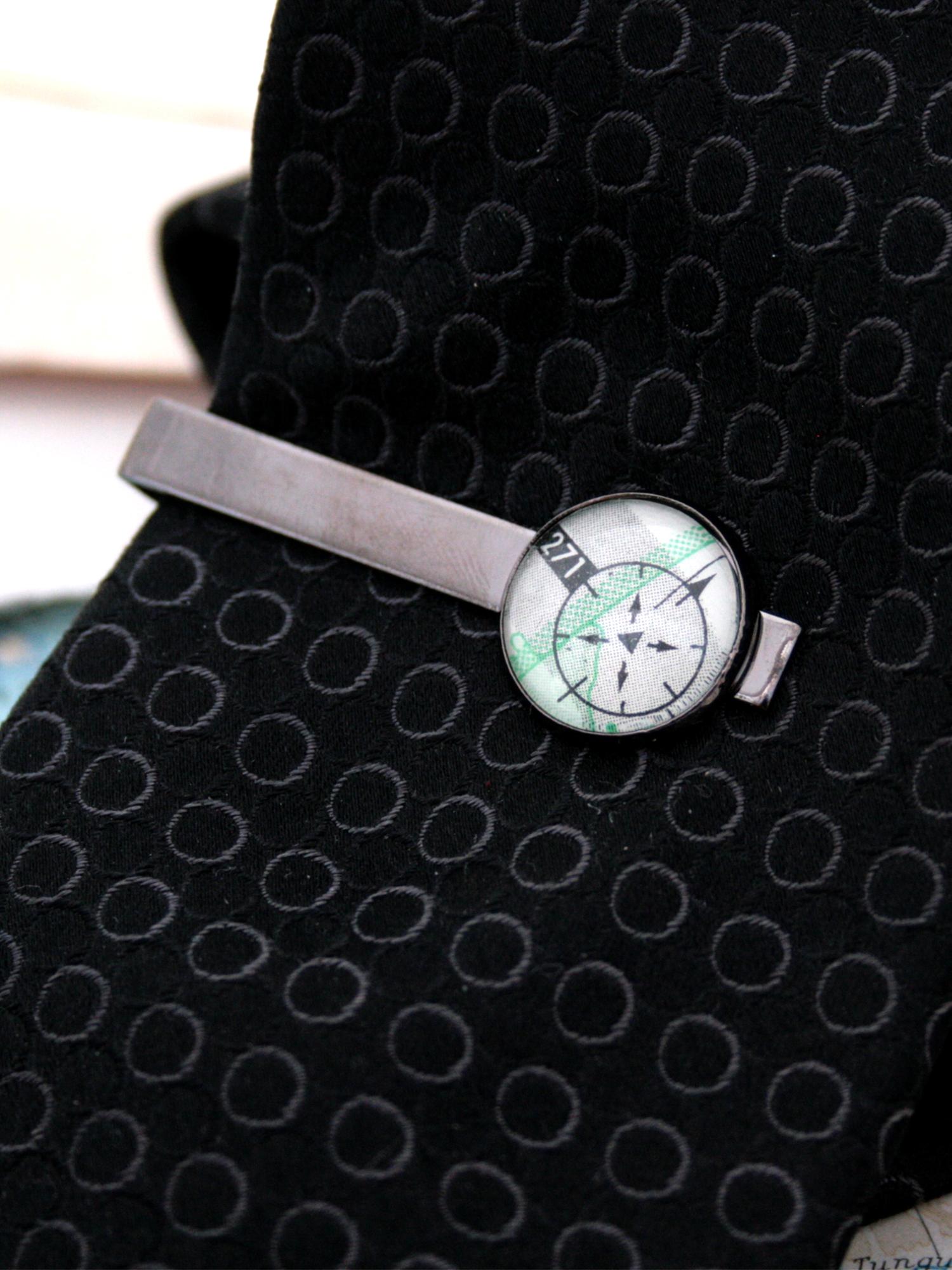 aviation tie clip for a pilot