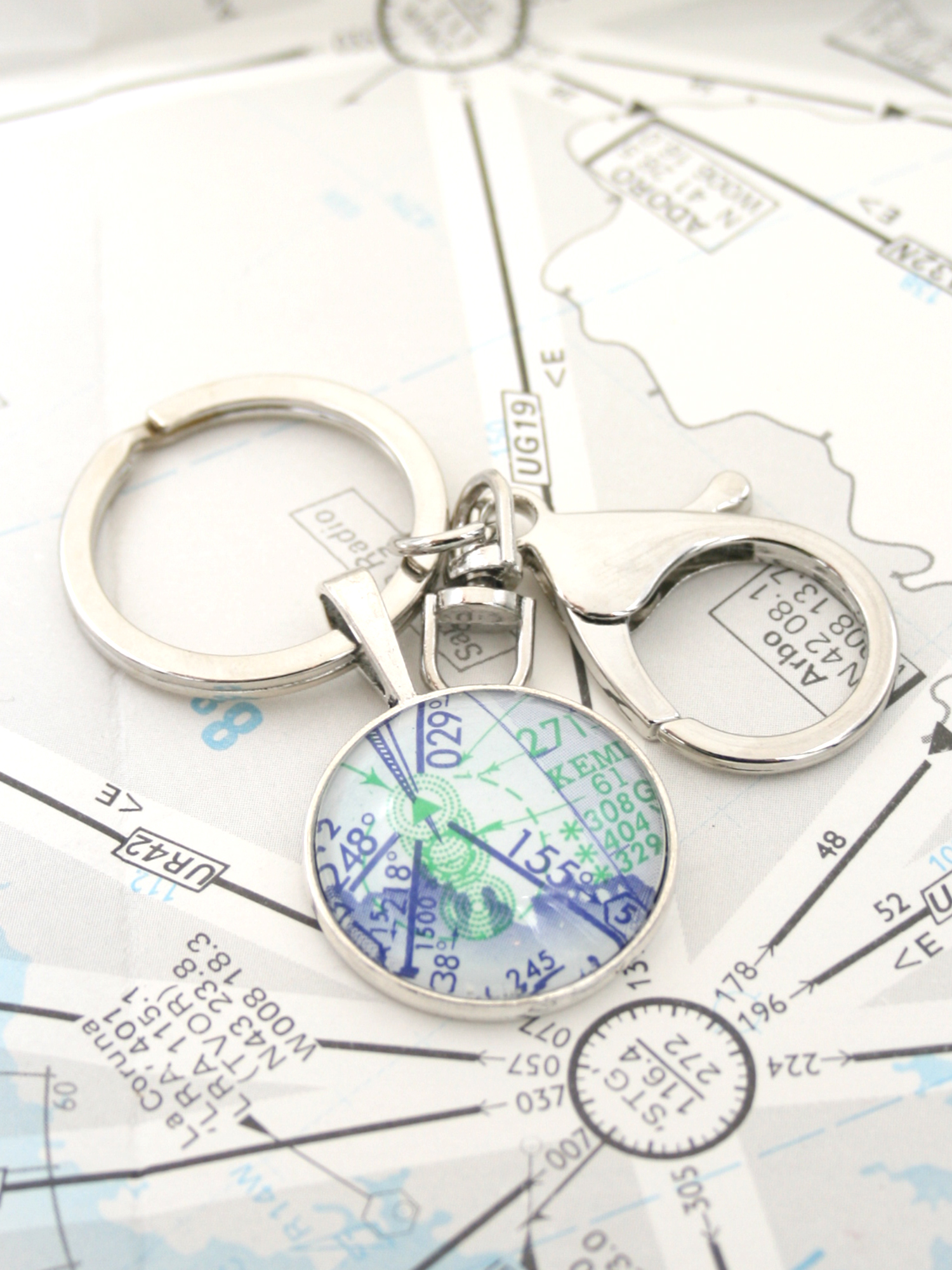 personalized keychain for the pilot with custom airport map