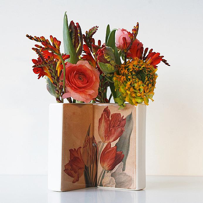 Dianthus-Ceramic-Flower-Vases-1.jpg