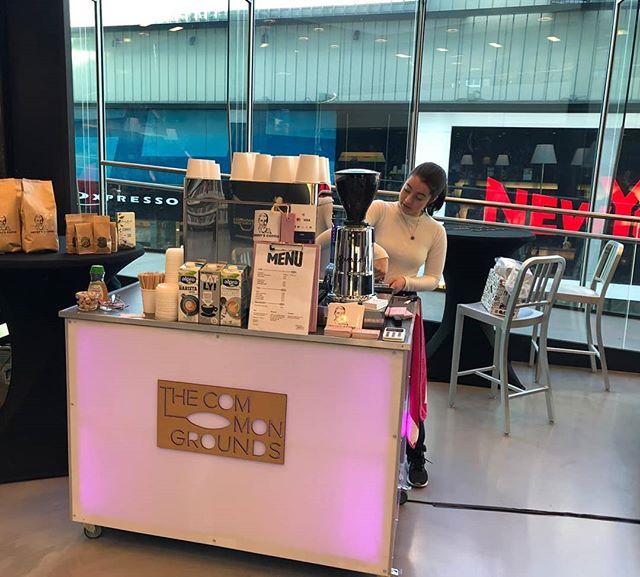 Vanaf vandaag kan je de lekkerste koffie halen in de Nieuwe Bibliotheek in Almere centrum. Zie ik jullie zo? ☕