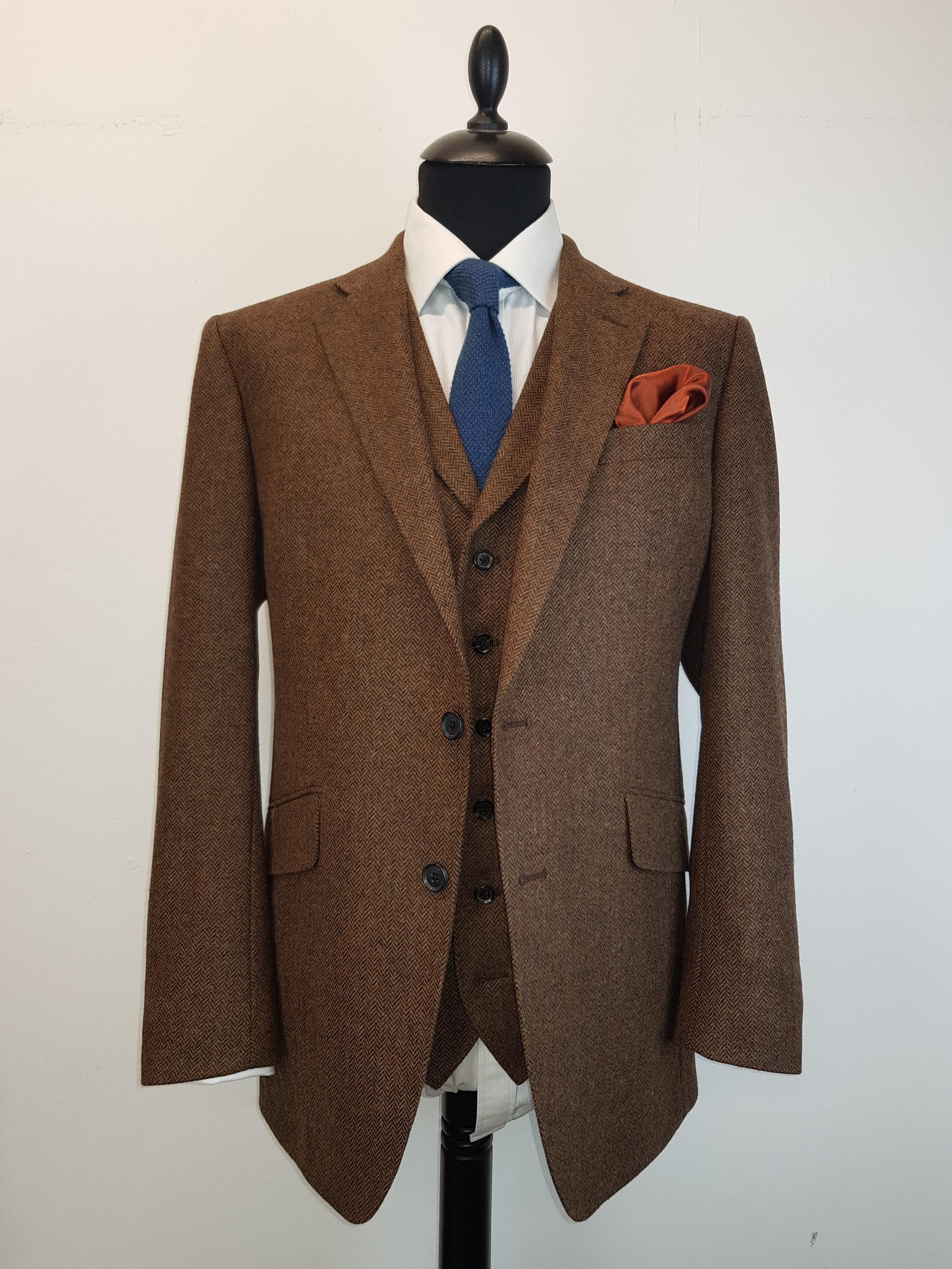 Brown Lambswool Herringbone Tweed (12).jpg