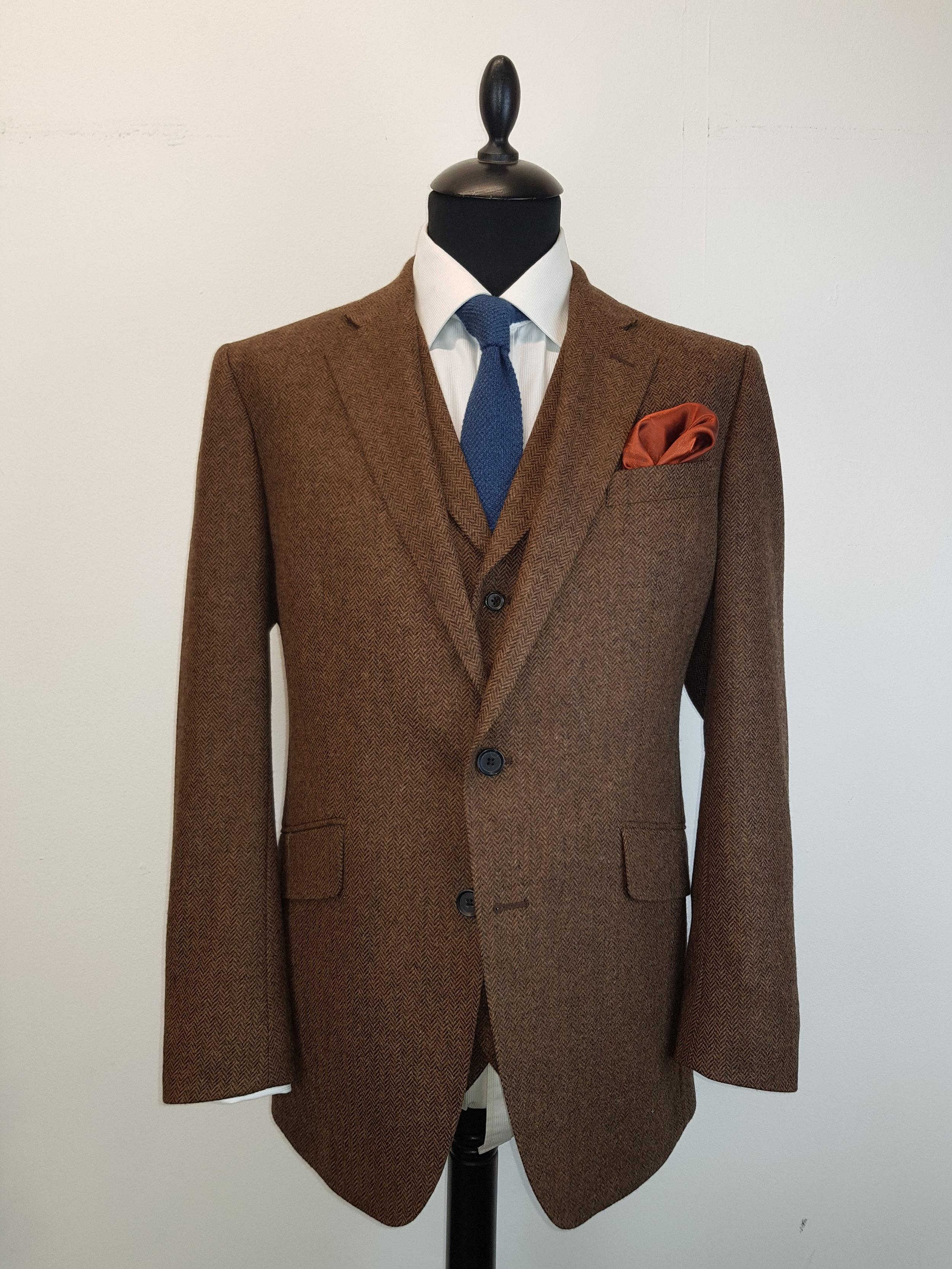 Brown Lambswool Herringbone Tweed (14).jpg