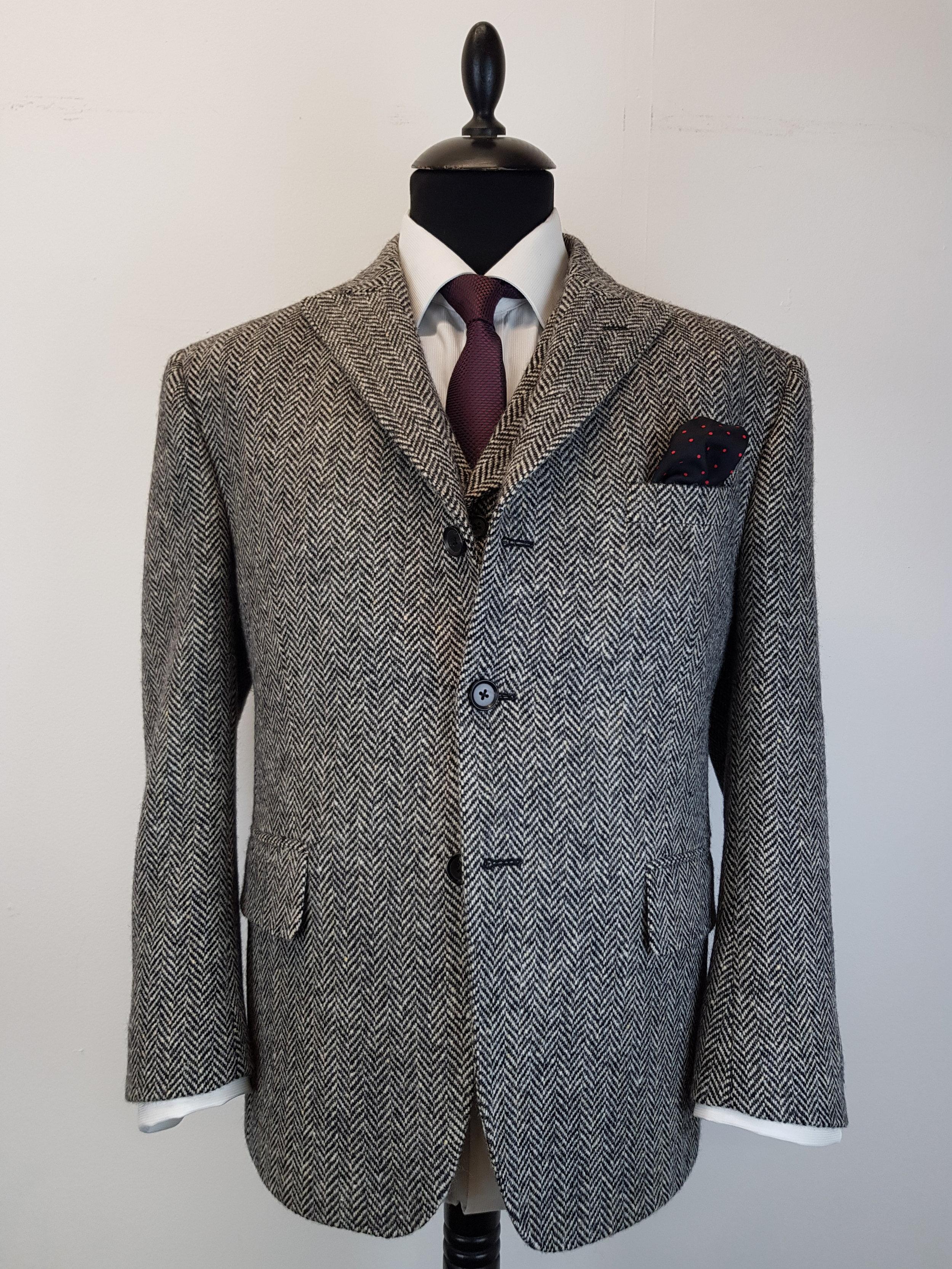 Molloy Herringbone Donegal Tweed (2).jpg