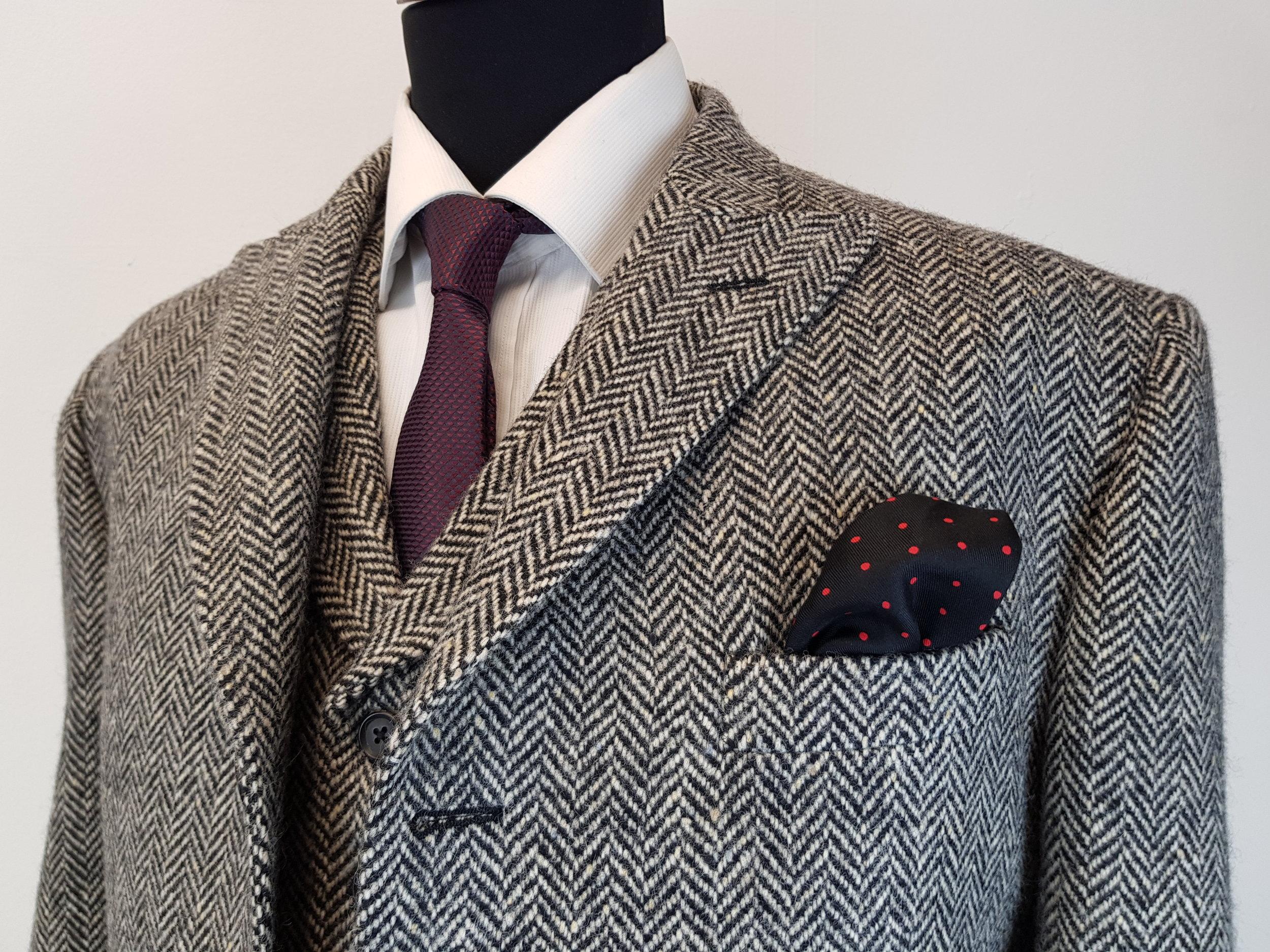 Molloy Herringbone Donegal Tweed (4).jpg