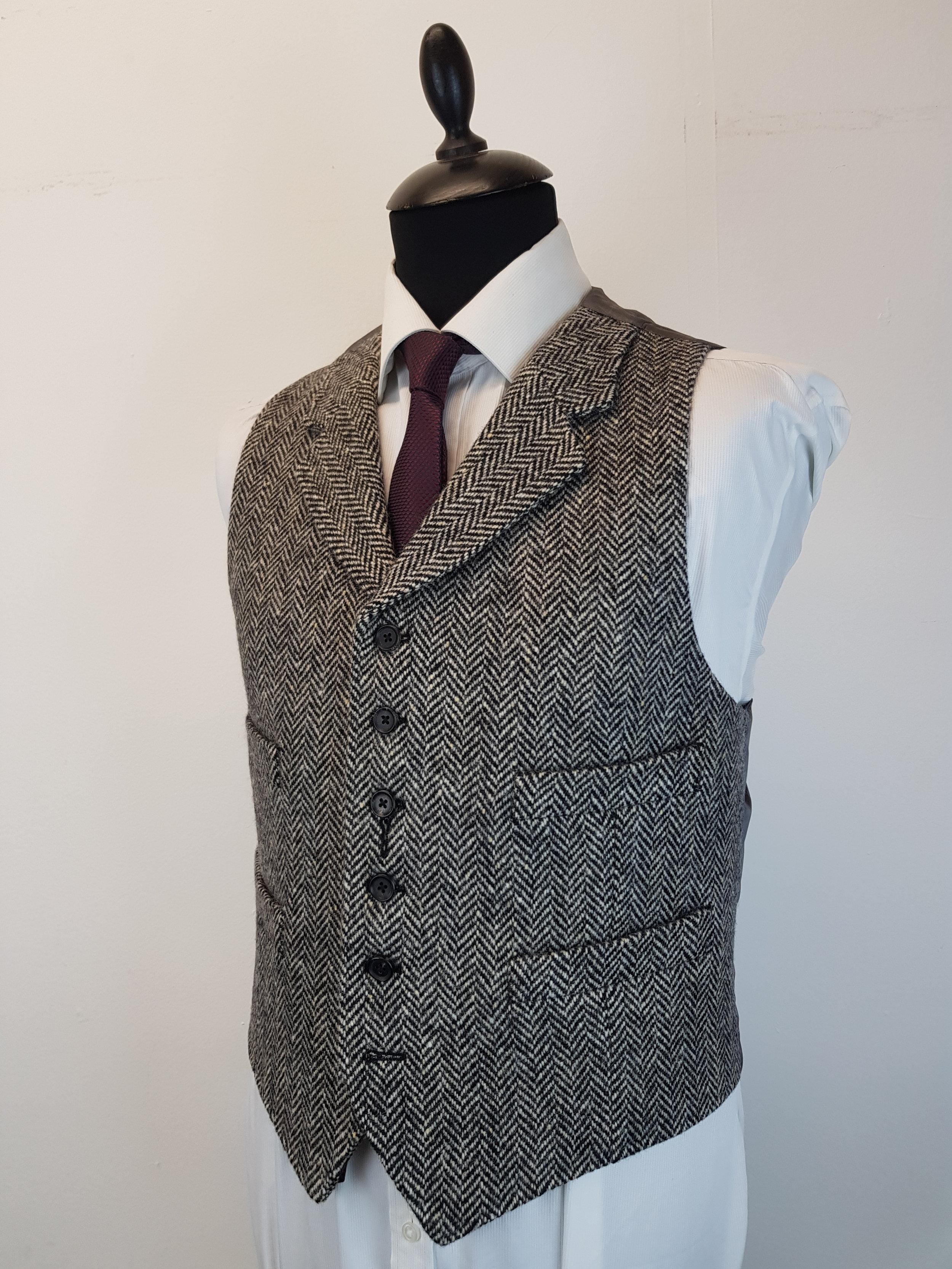 Molloy Herringbone Donegal Tweed (5).jpg