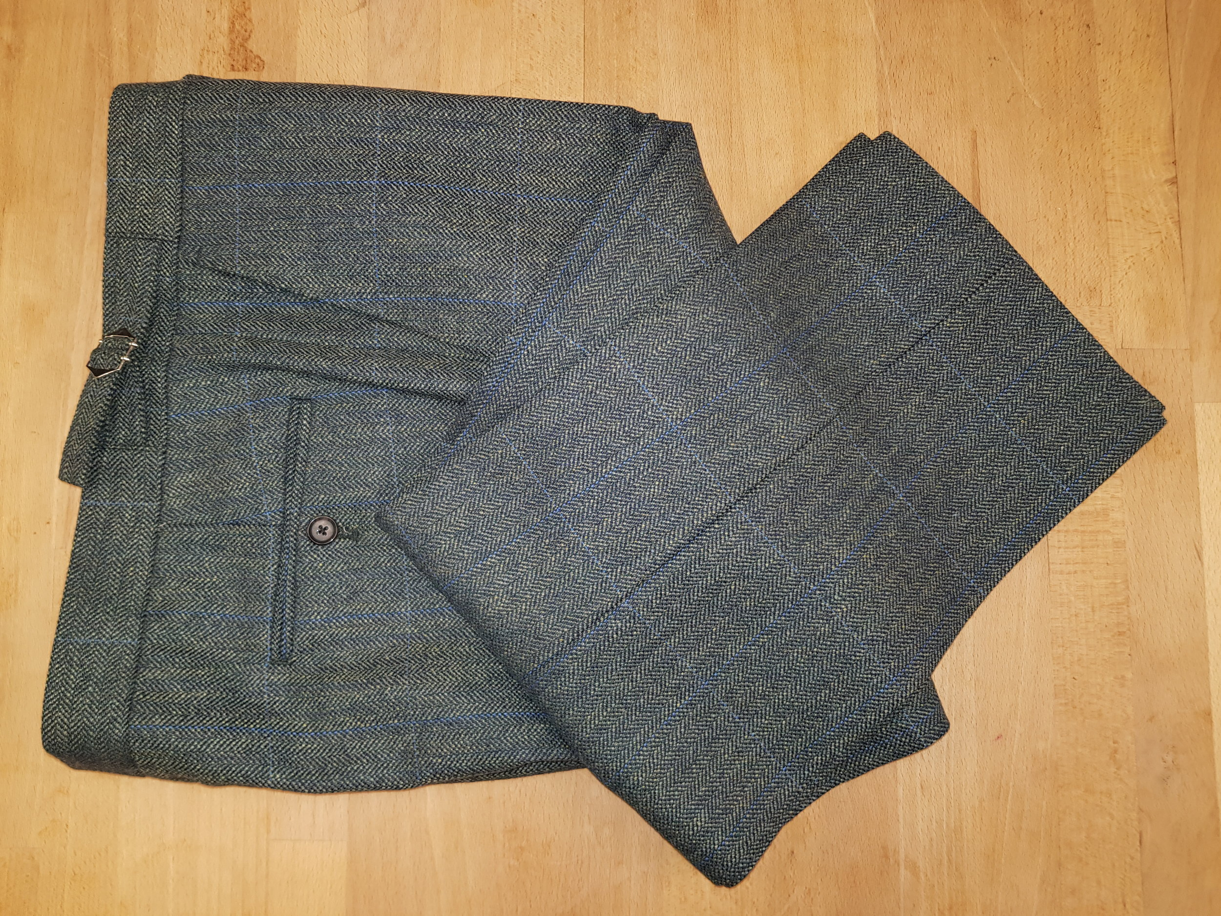 3 Piece Herringbone and check tweed suit (14).jpg