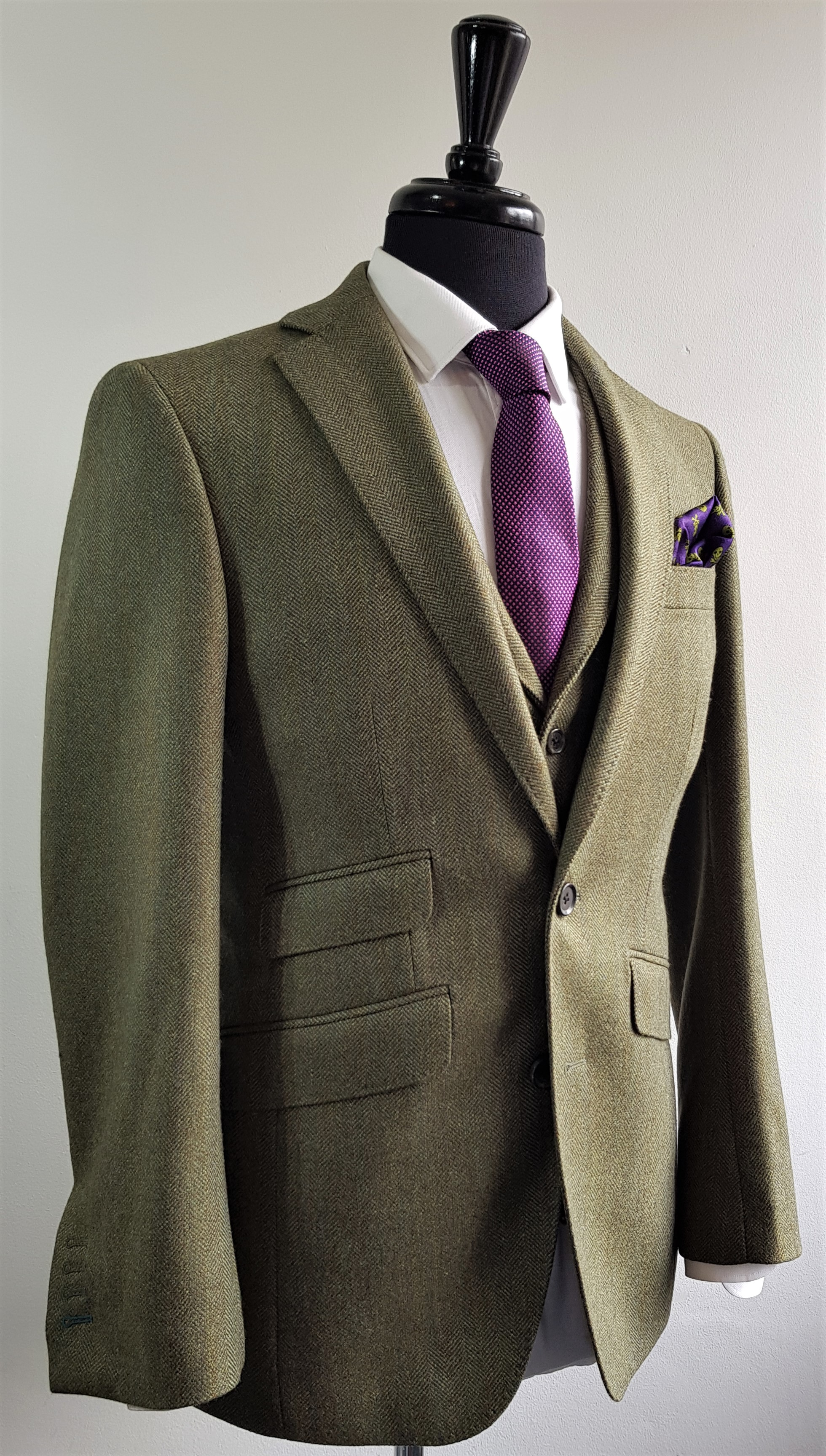 Green herringbone 3 piece tweed suit (10).jpg