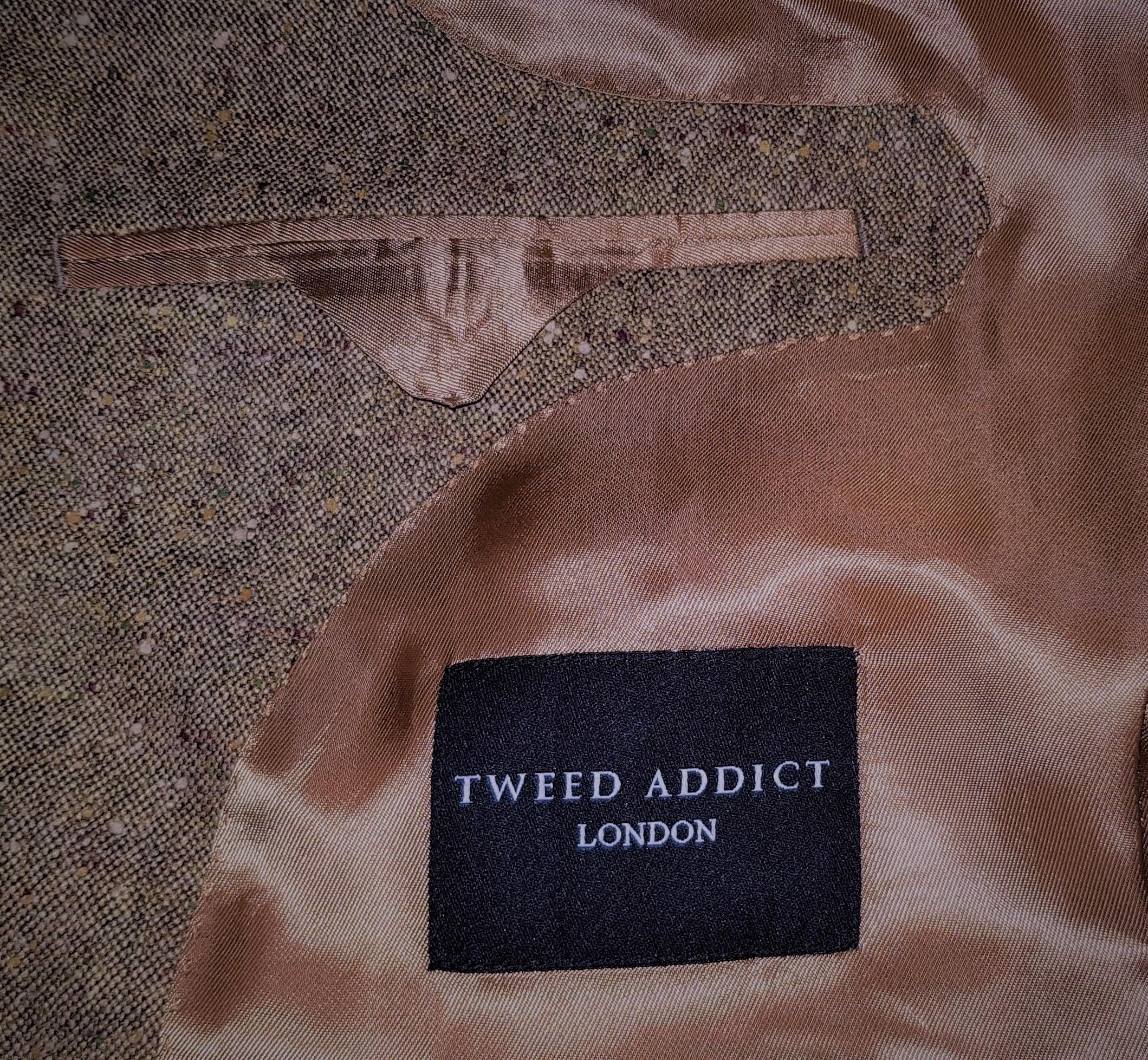 Brown Donegal 3 piece tweed suit (10).jpg