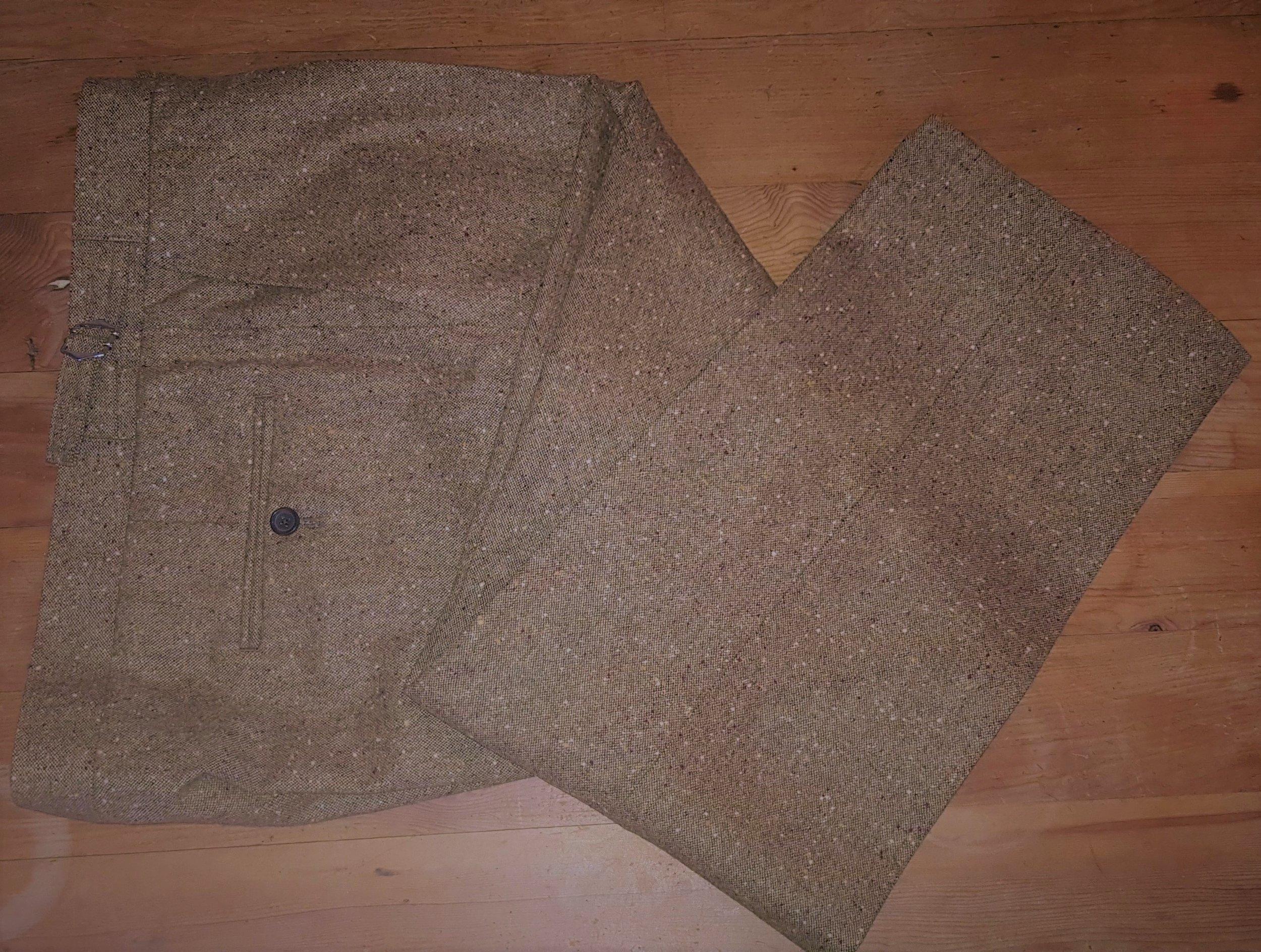 Brown Donegal 3 piece tweed suit (14).jpg