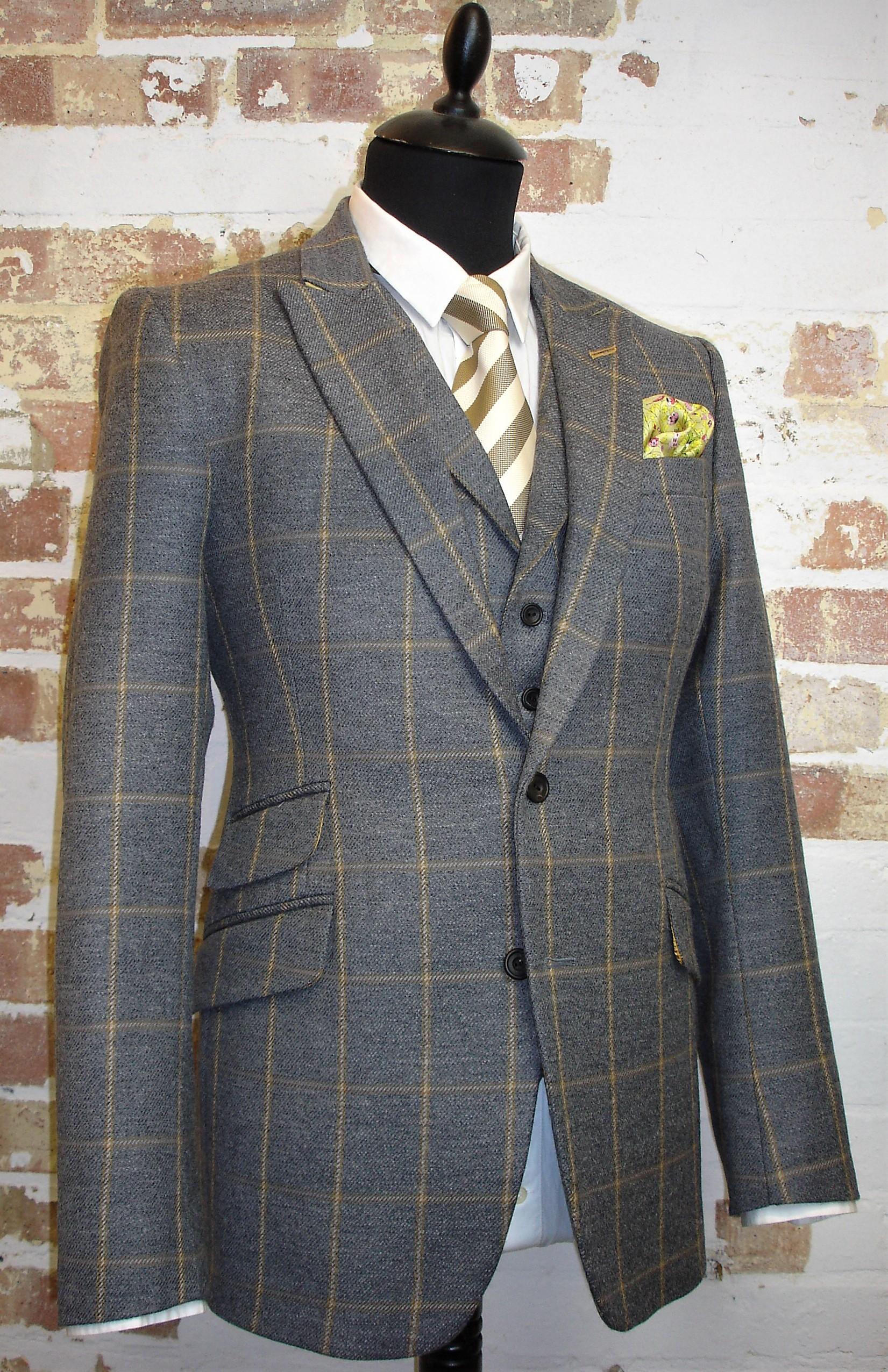 Glenhunt Grey Check 3 Piece Tweed Suit (9).JPG
