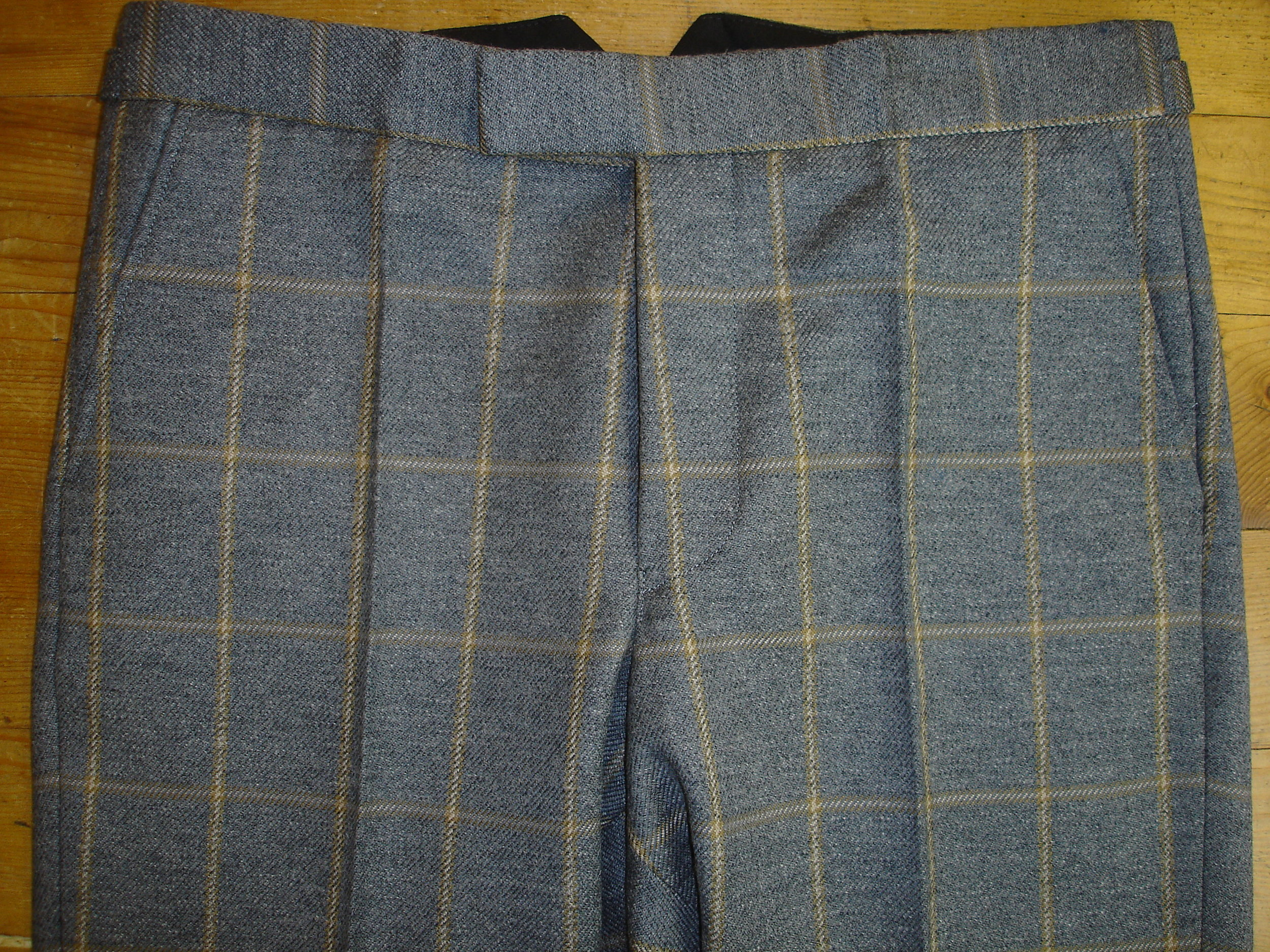 Glenhunt Grey Check 3 Piece Tweed Suit (15).JPG