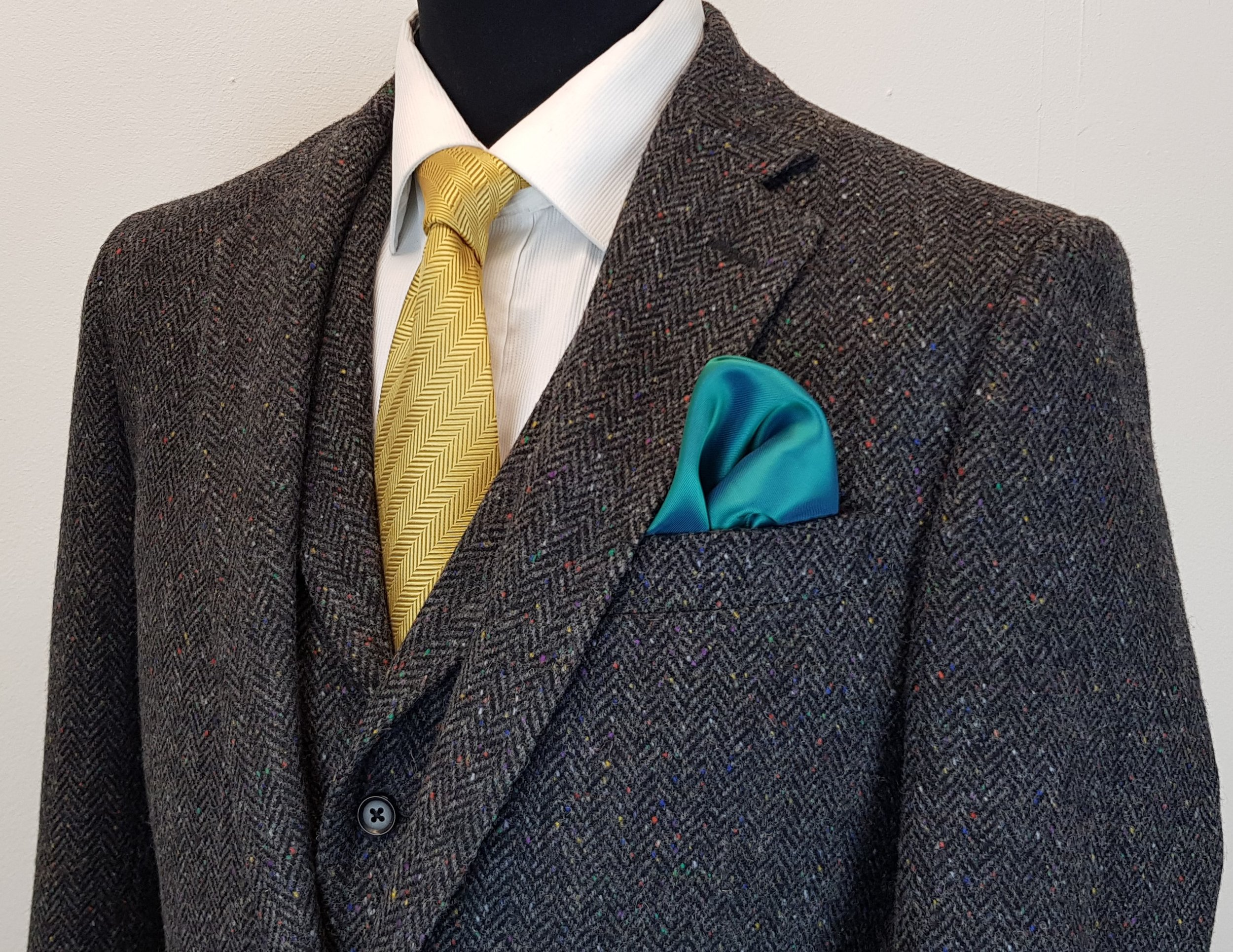 3 piece Donegal tweed suit (10).jpg