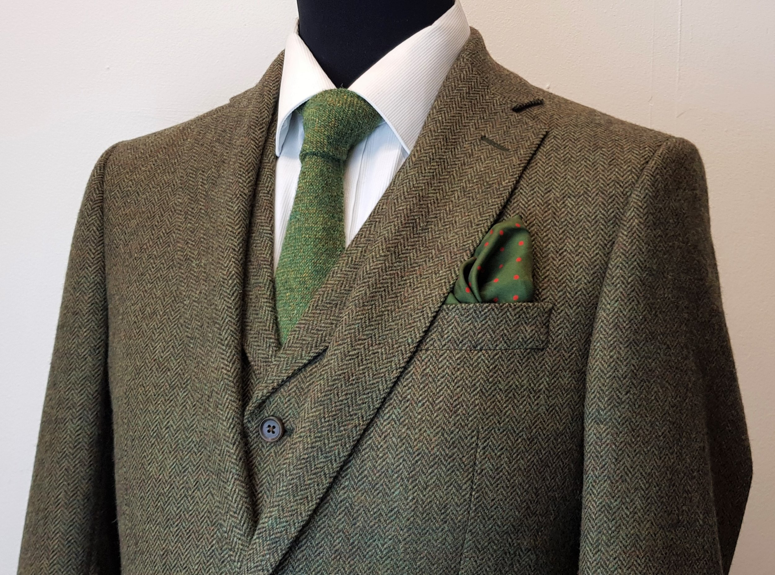 3 piece tweed suit in green herringbone (10).jpg