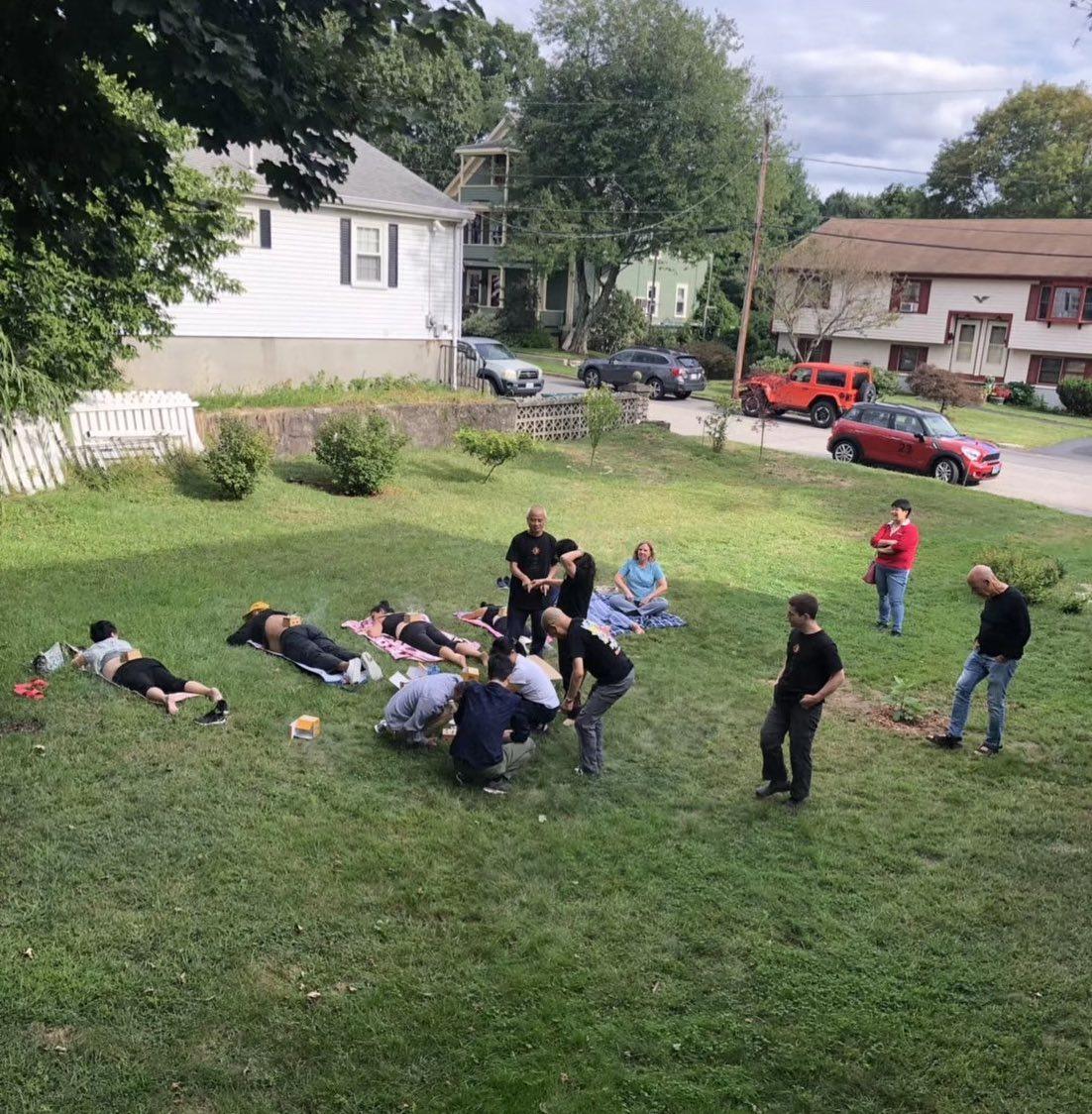 Participants experiencing moxa treatment