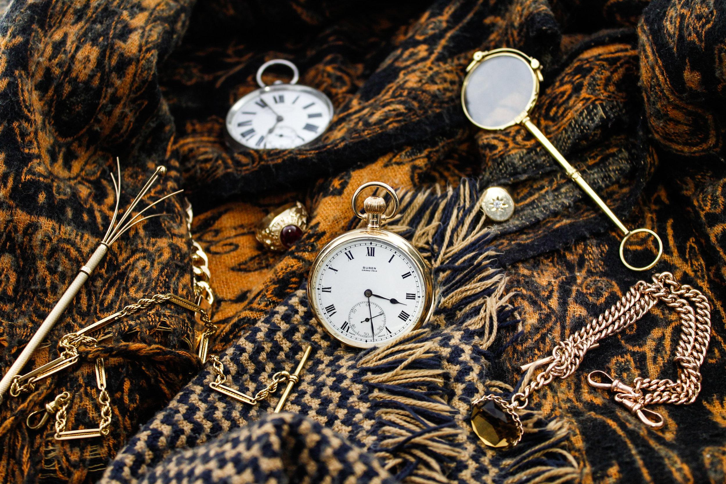 Fashion - Pocketwatch flat-lay.jpg