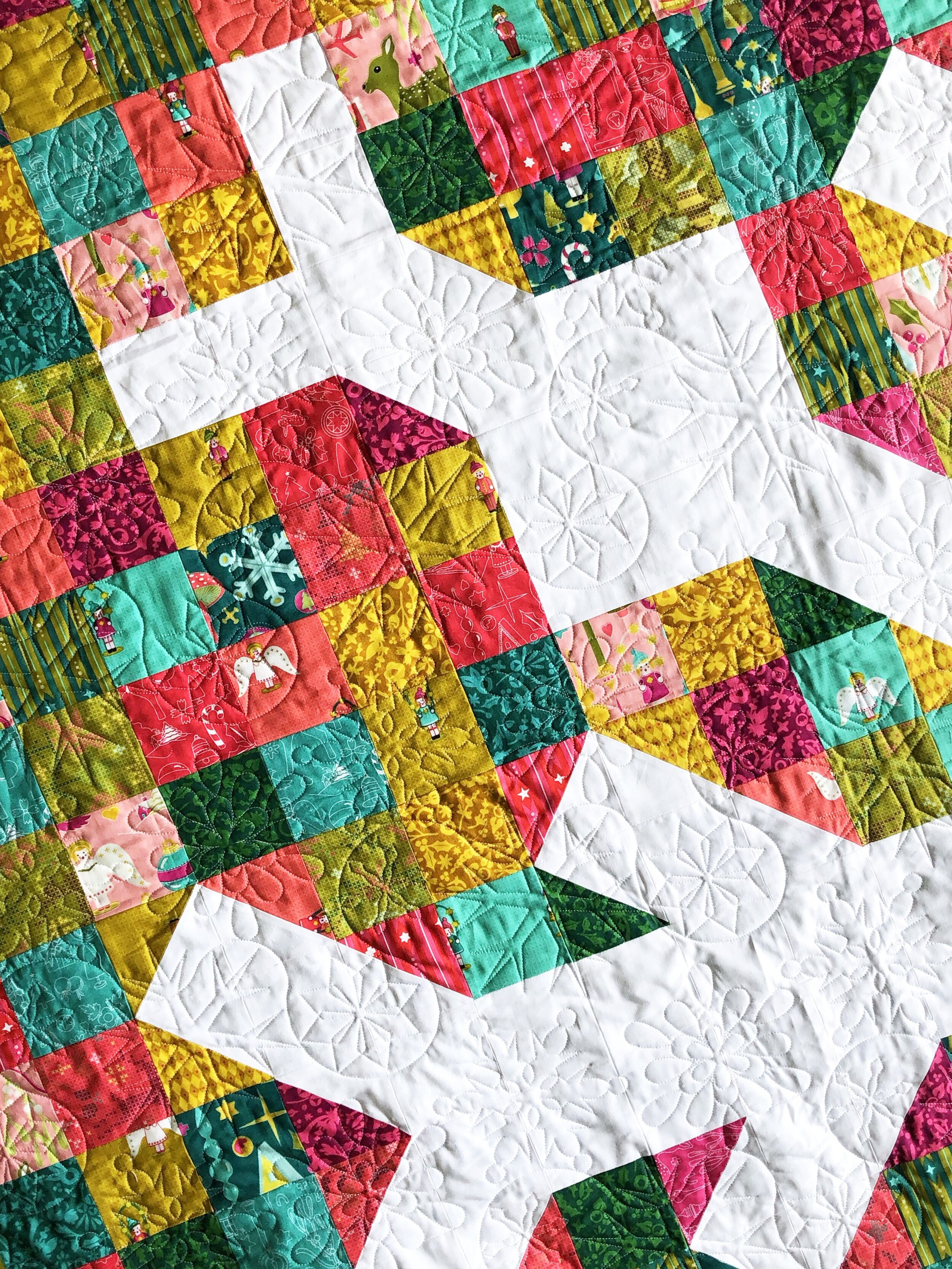 Kaitlyn also quilted this version using a fun snowflake pattern.
