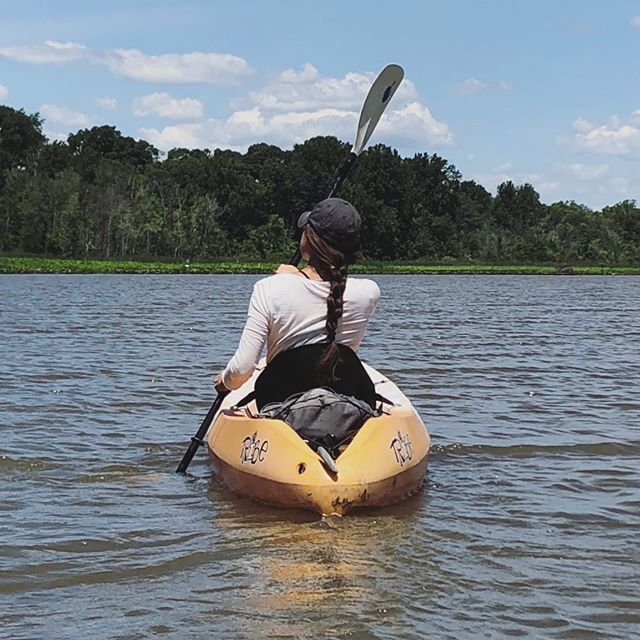 Trying to get into some semblance of paddling shape 😅 ⠀ Spent yesterday out in The Patuxent kayaking with my parents. So serene and perfect out there ✨