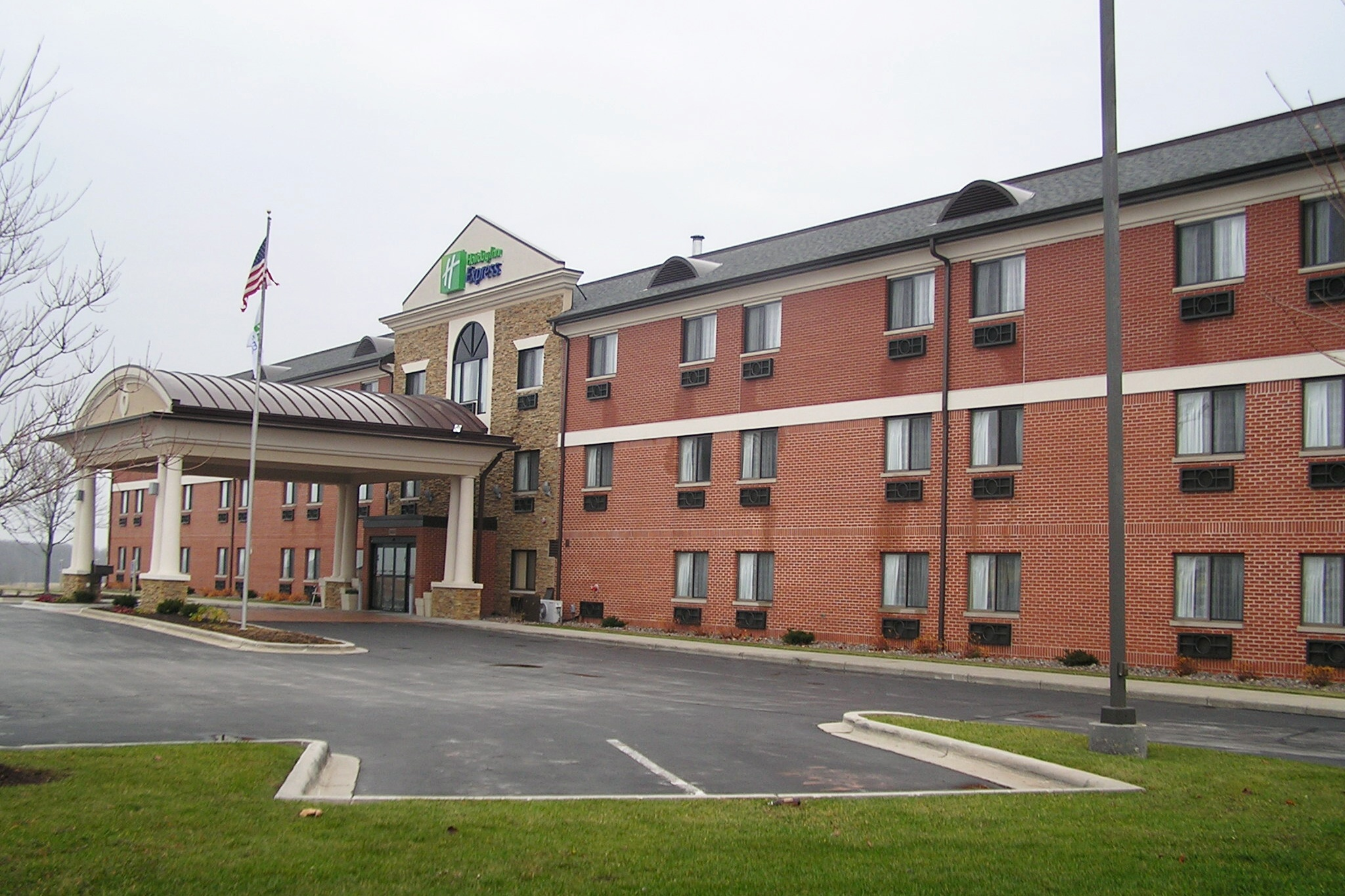 Holiday Inn Sheboygan.JPG