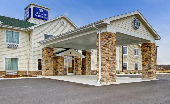 COBBLESTONE HOTEL AND SUITES - PULASKI, WISCONSIN
