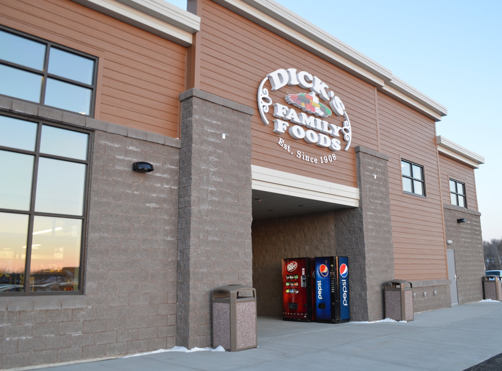 DICK'S FAMILY FOODS - SHERWOOD, WISCONSIN